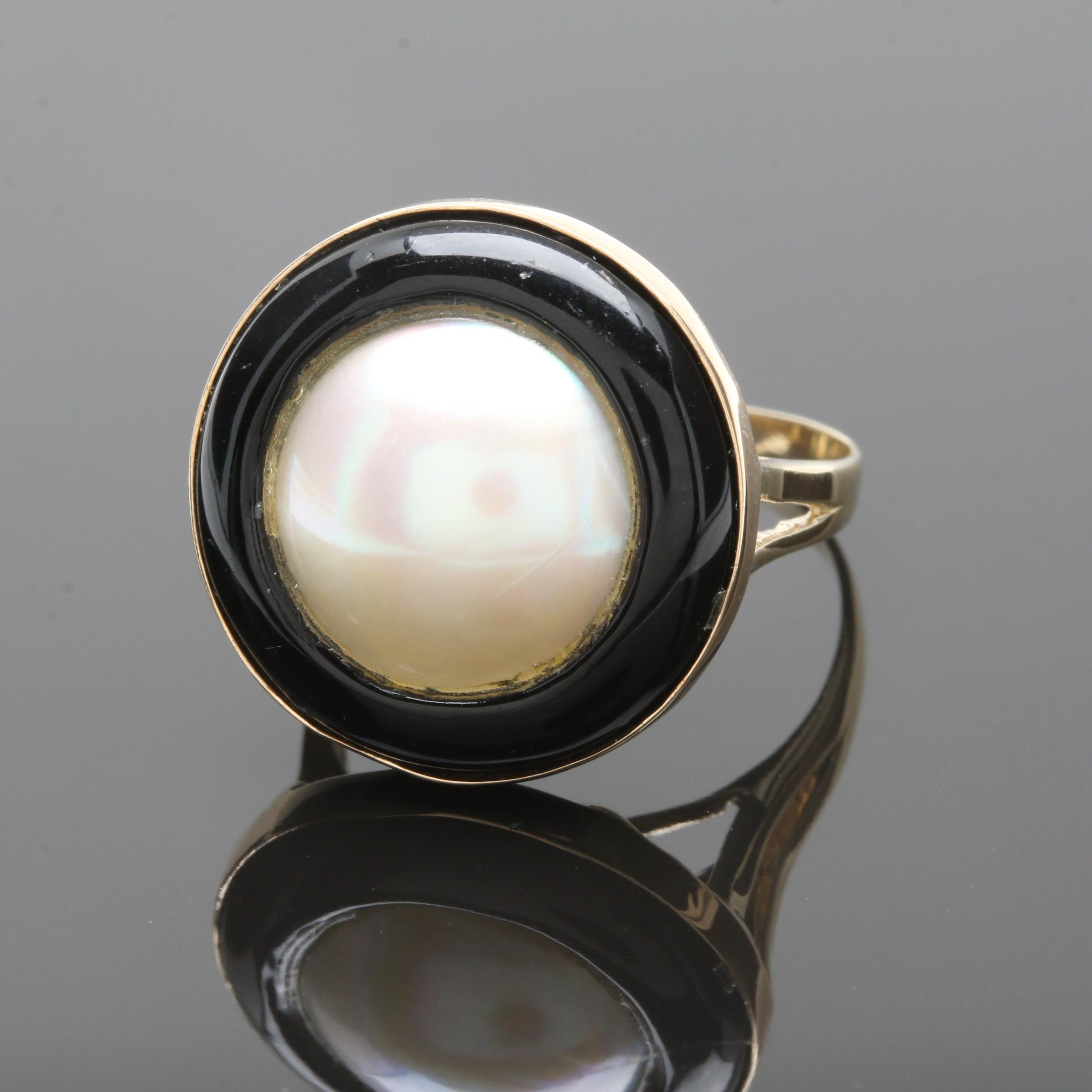 14K Yellow Gold Cultured Mabé Pearl and Imitation Black Onyx Ring