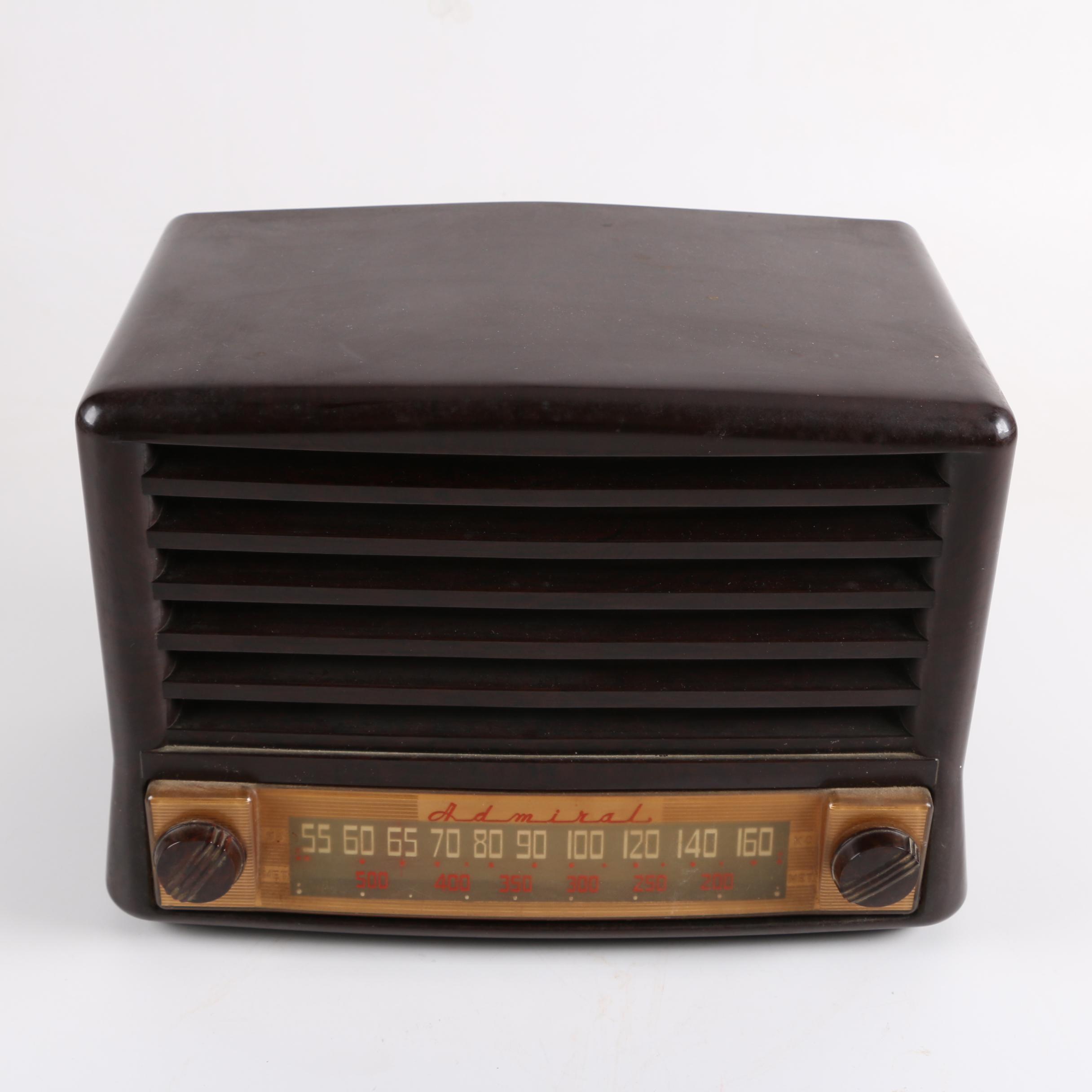 C. 1940s Admiral Super Aeroscope Radio With Built-In Antenna