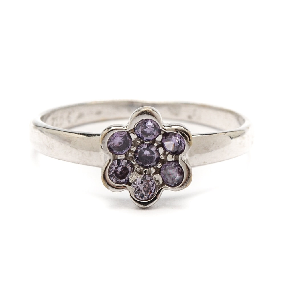 18K White Gold Cubic Zirconia Stylized Flower Ring