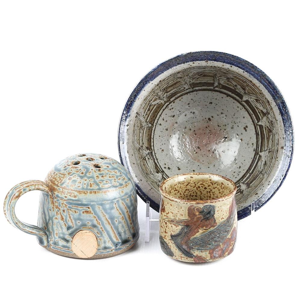 Hand-Thrown Earthenware Tableware