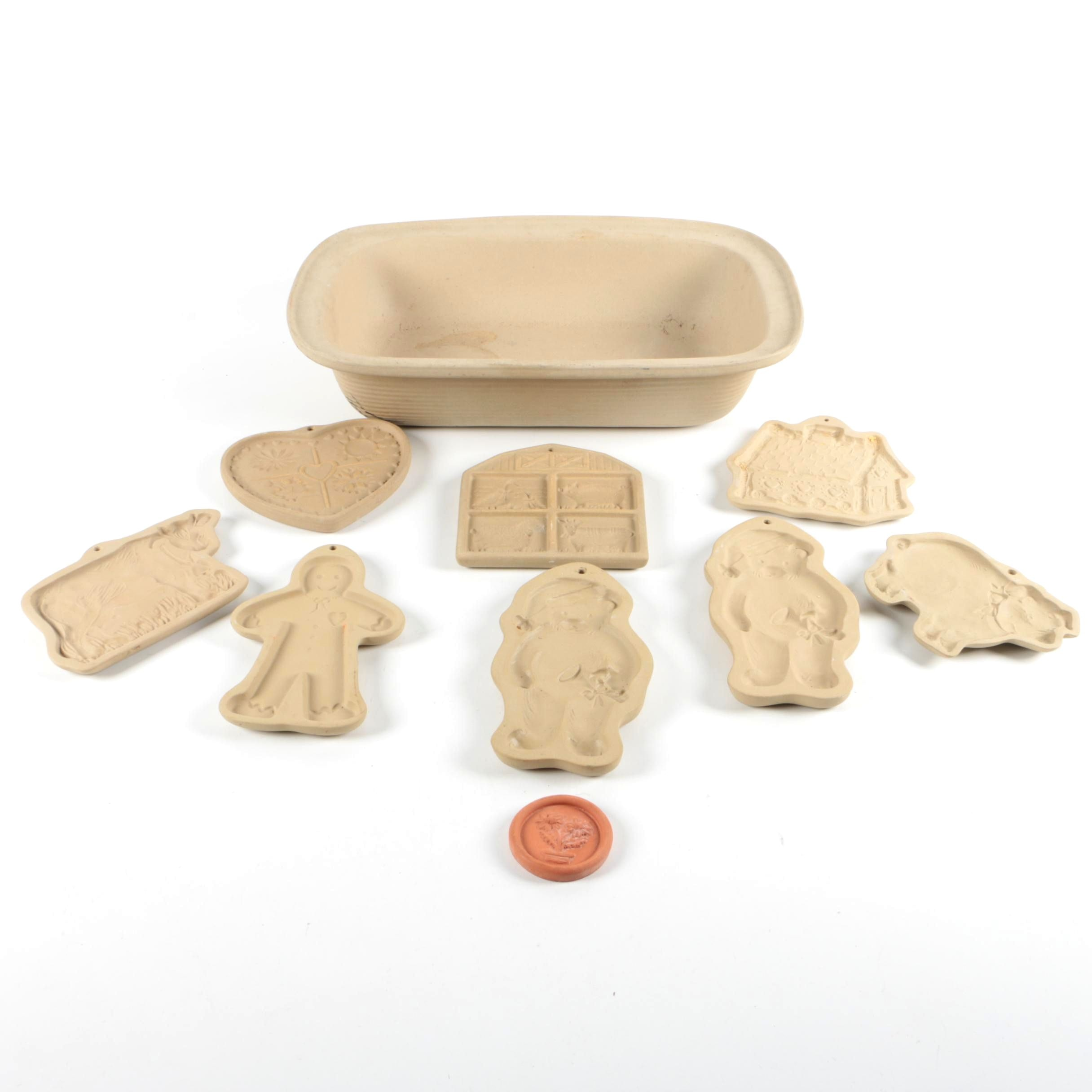 Pampered Chef Stoneware Baking Dish and Brown Bag Cookie Art Molds
