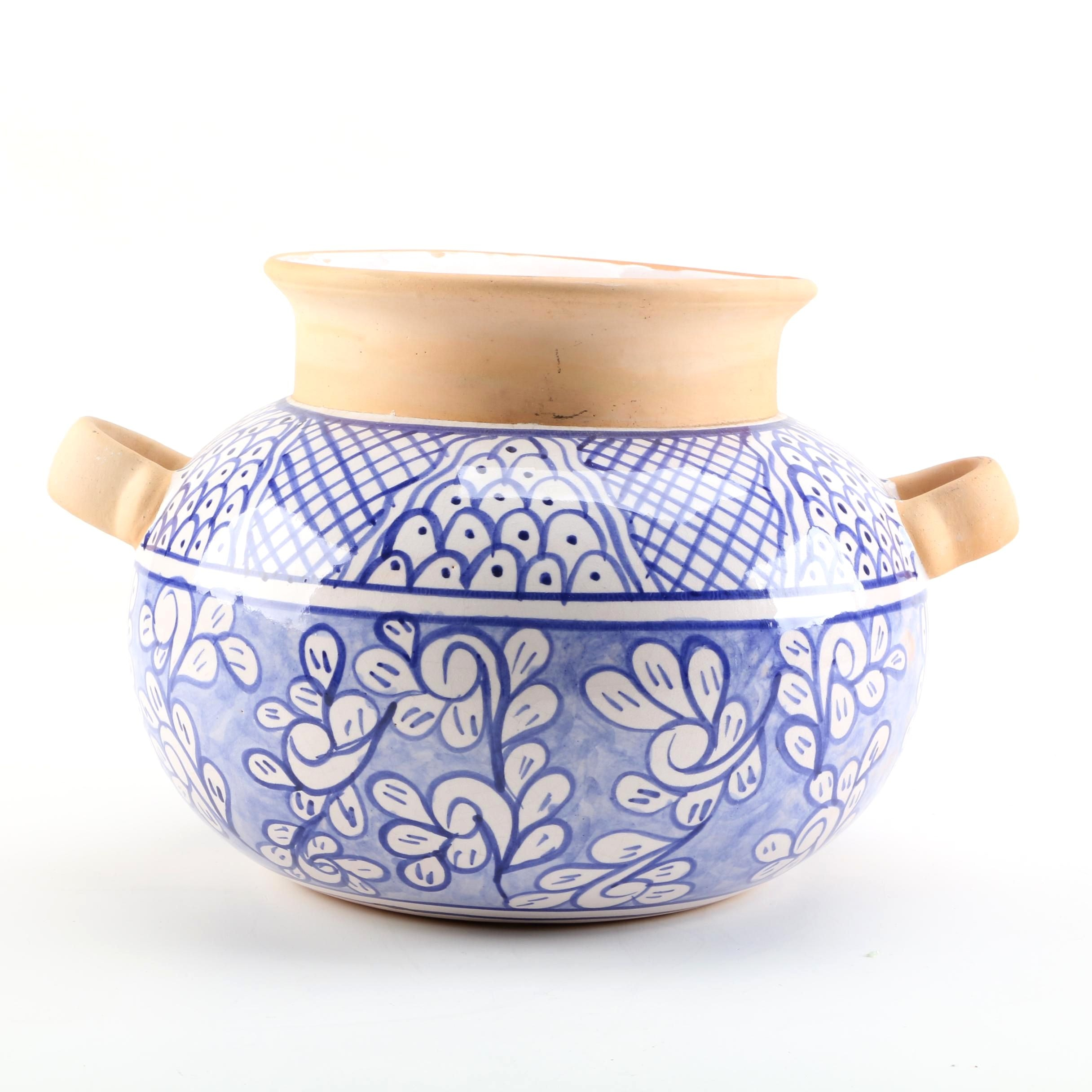 Chinese Hand-Painted Blue and White Porcelain Pot with Handles