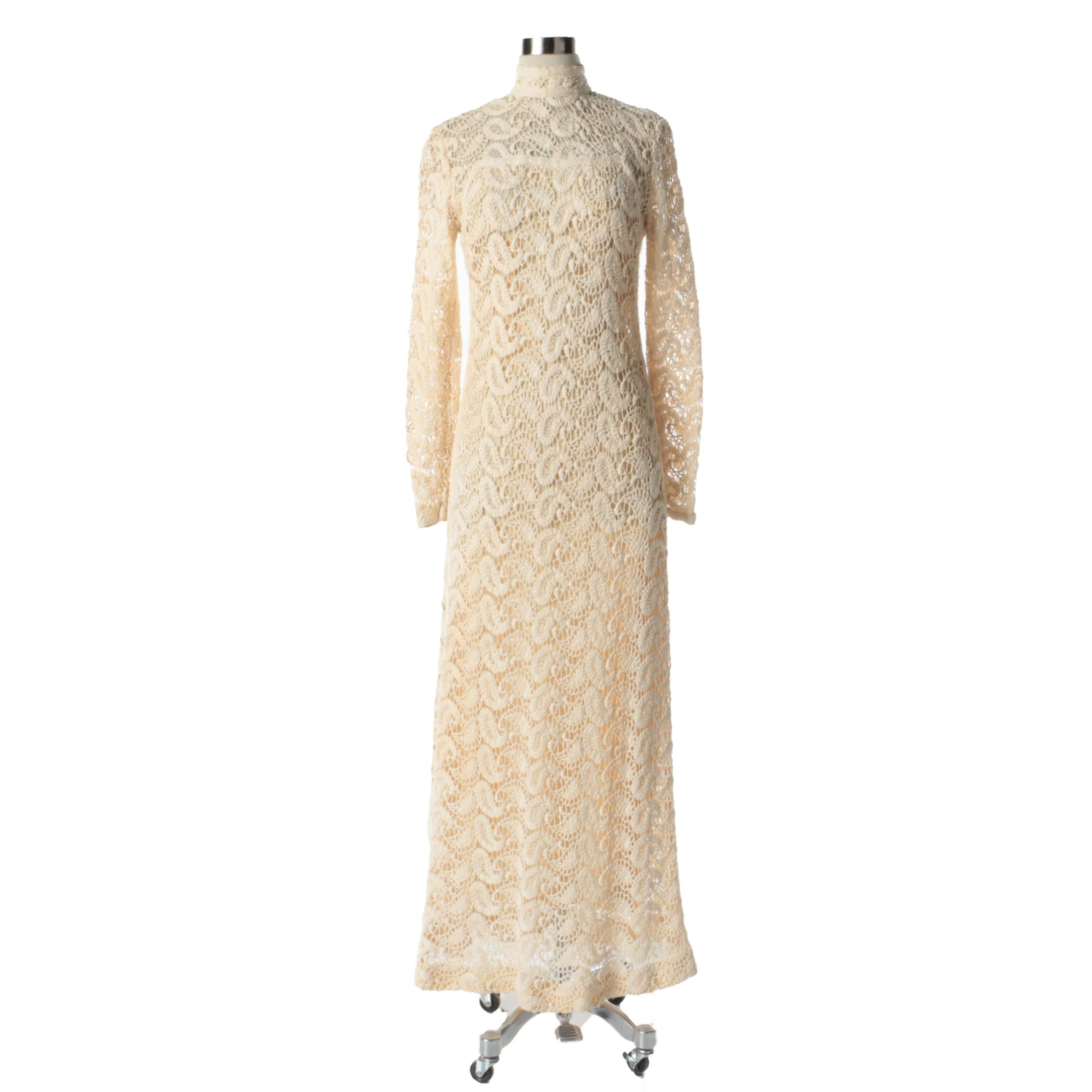 1960s Vintage Fred Perlberg Originals Ivory Crochet Lace Paisley Dress