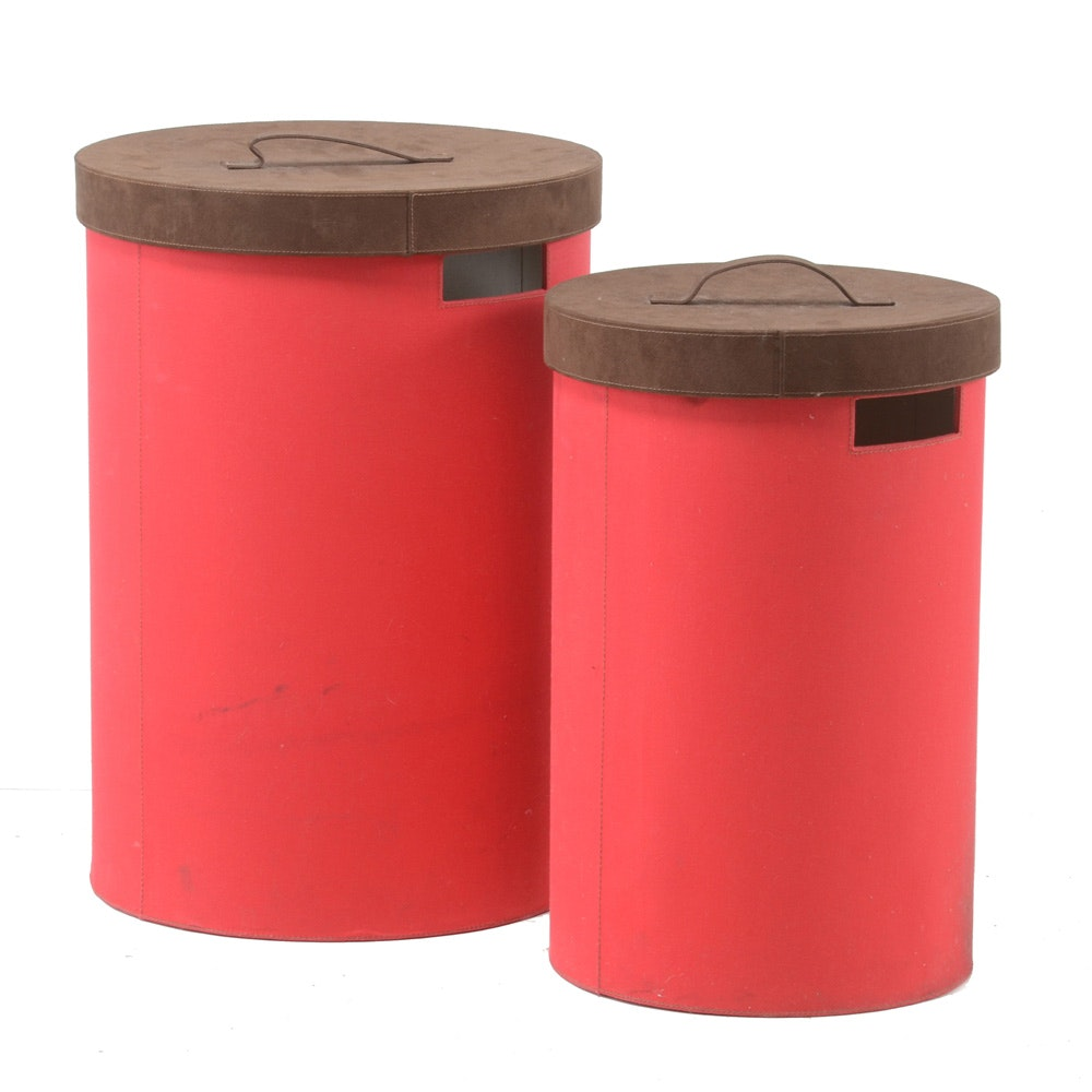 Pair of Storage Containers With Lids