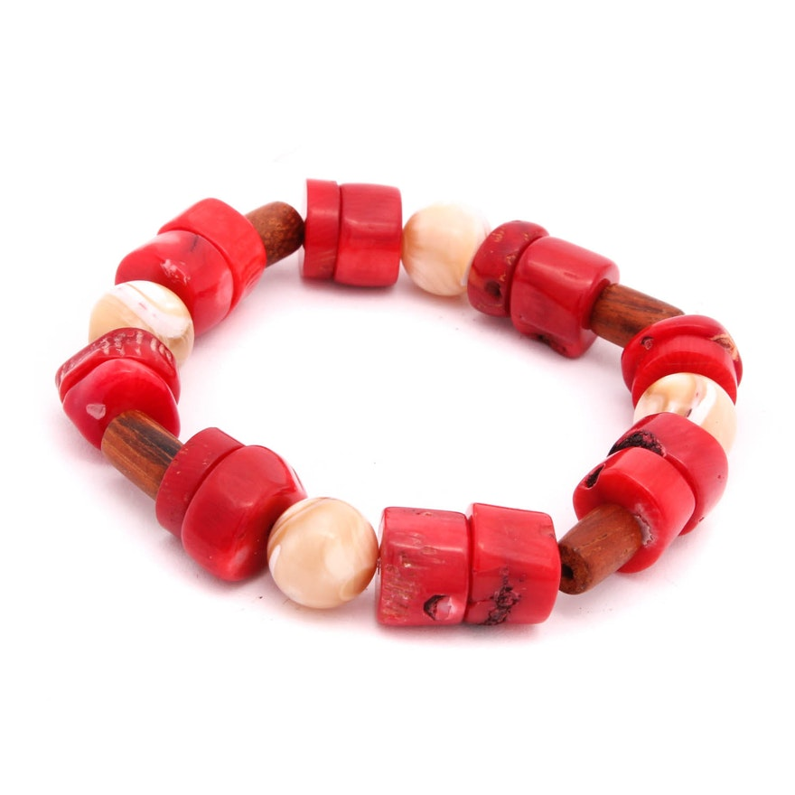 4a54e5fee Vintage Coral and Mother of Pearl Beaded Stretch Bracelet : EBTH