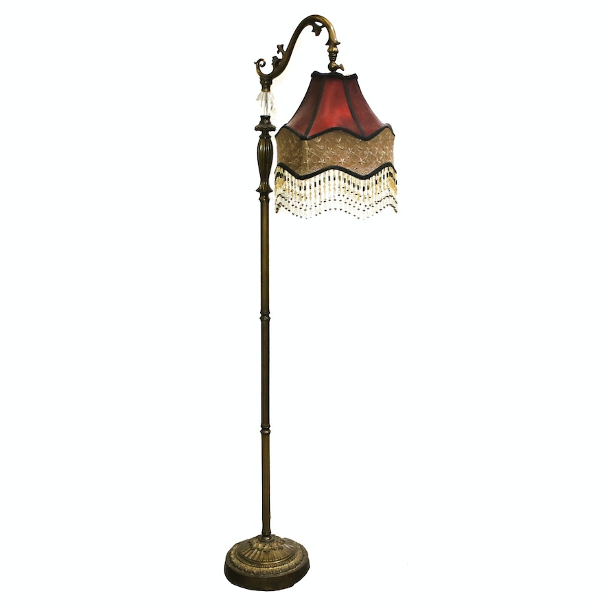 Vintage Style Floor Lamp With Beaded Shade