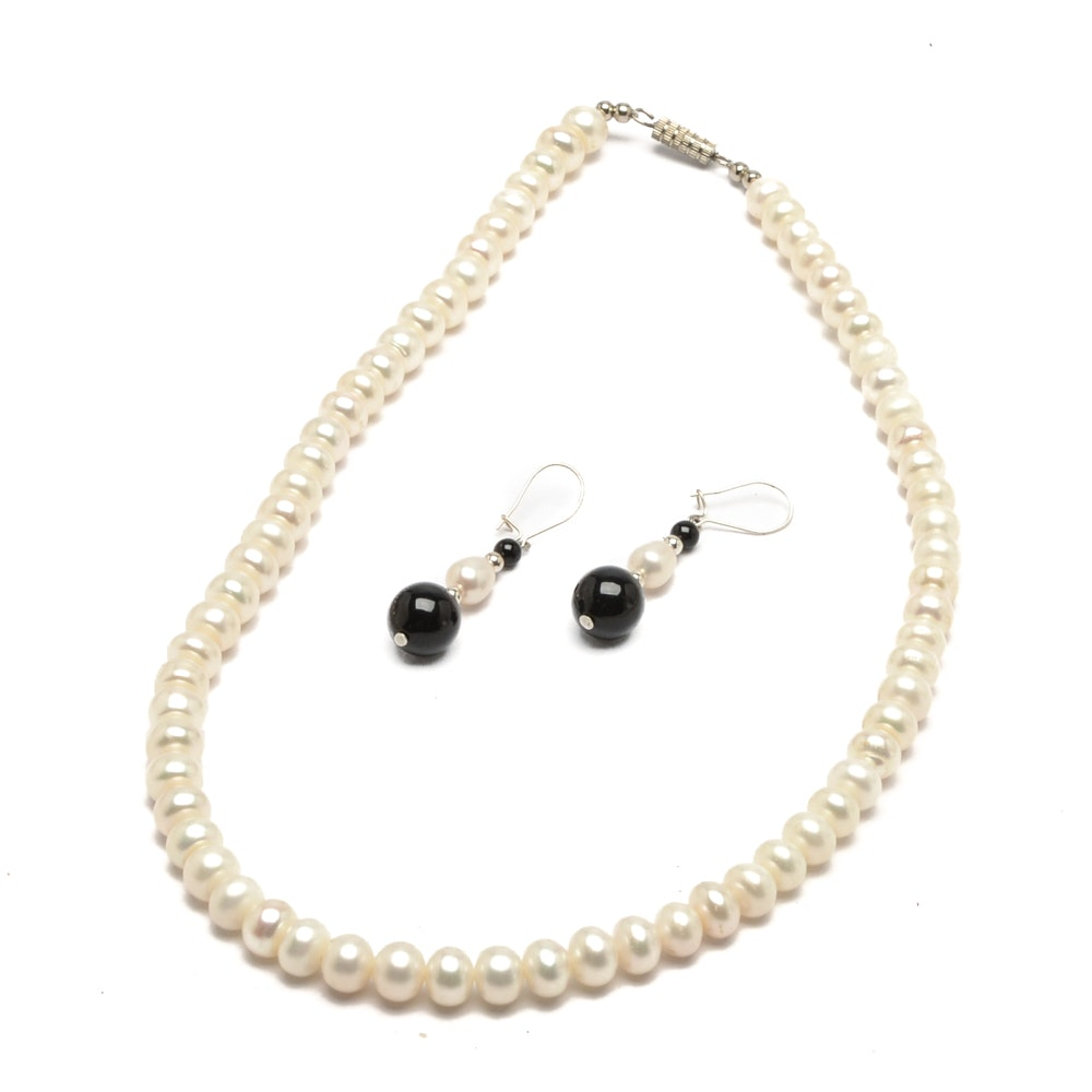 Cultured Peal Necklace and Earrings