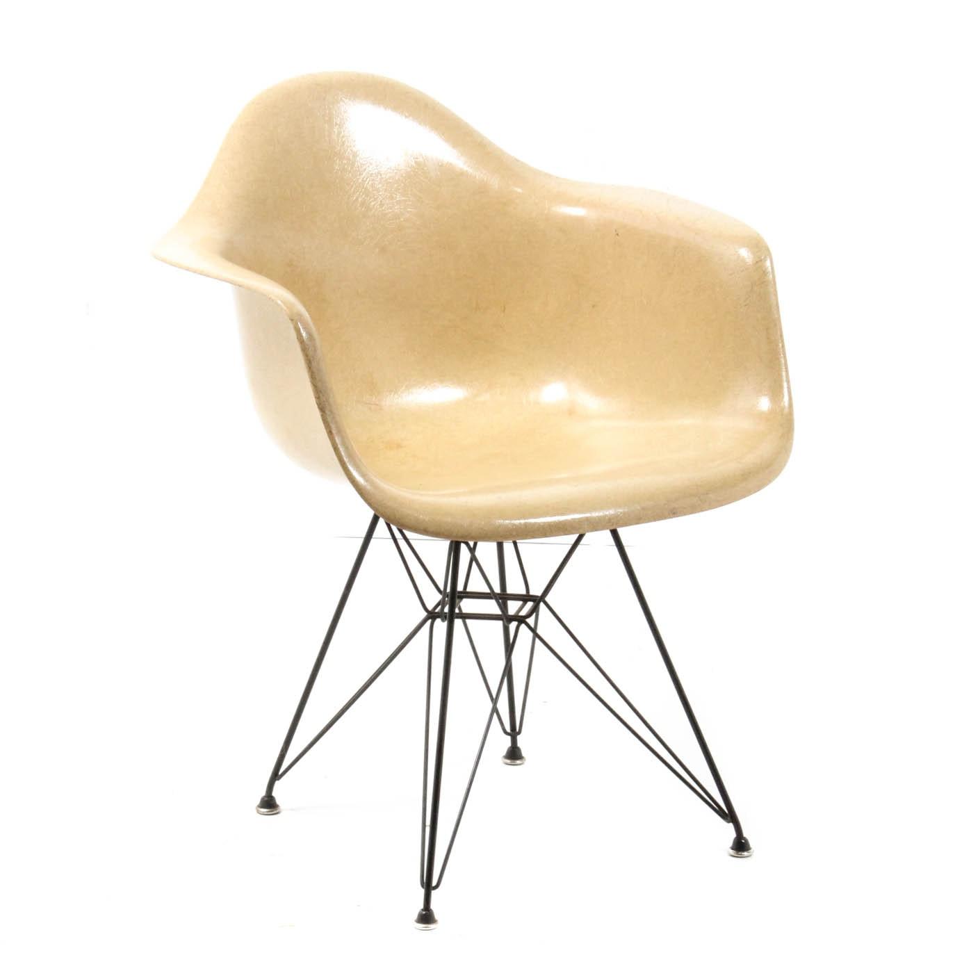 Vintage Eames for Herman Miller Fiberglass Shell Chair