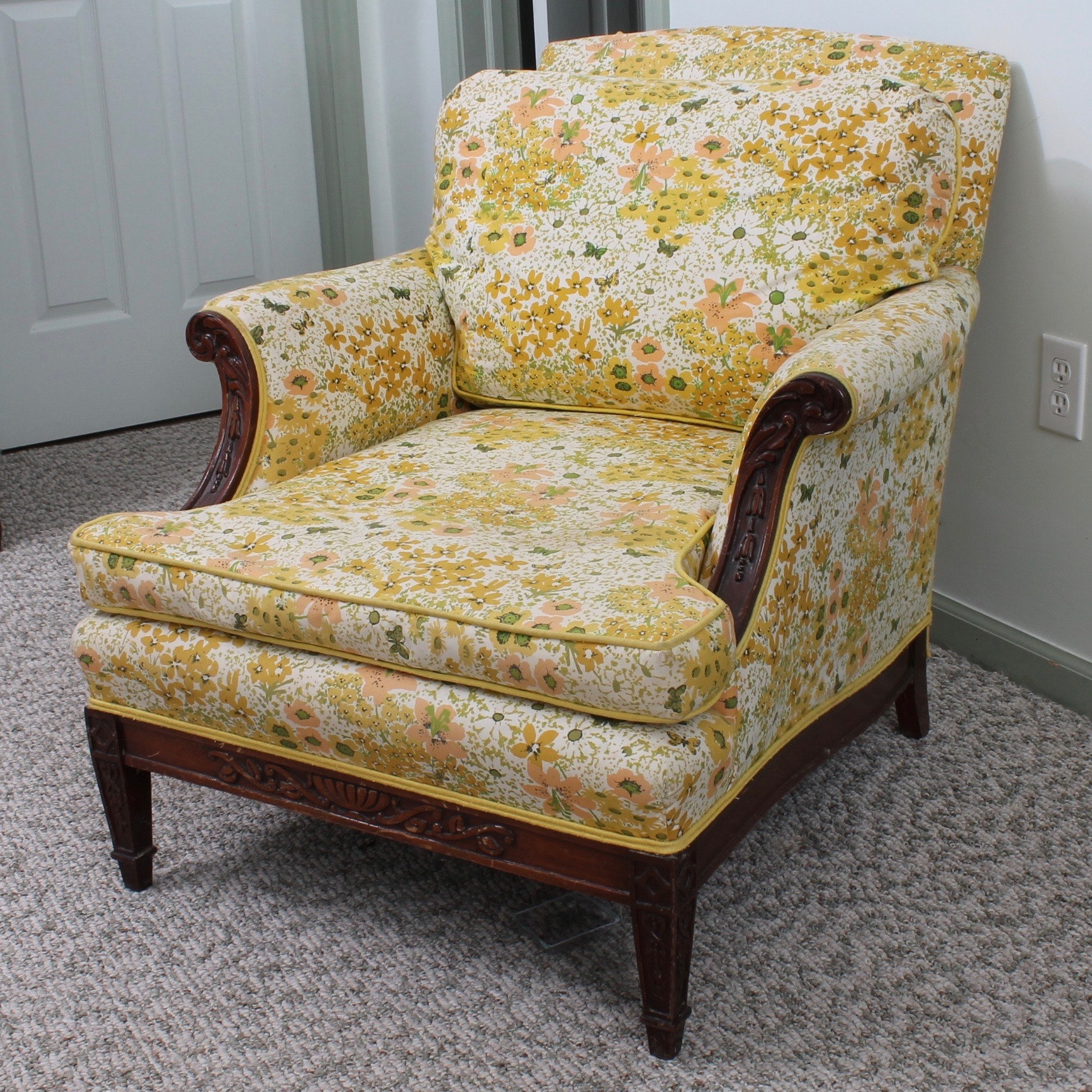 Vintage Hepplewhite Inspired Lounge Chair