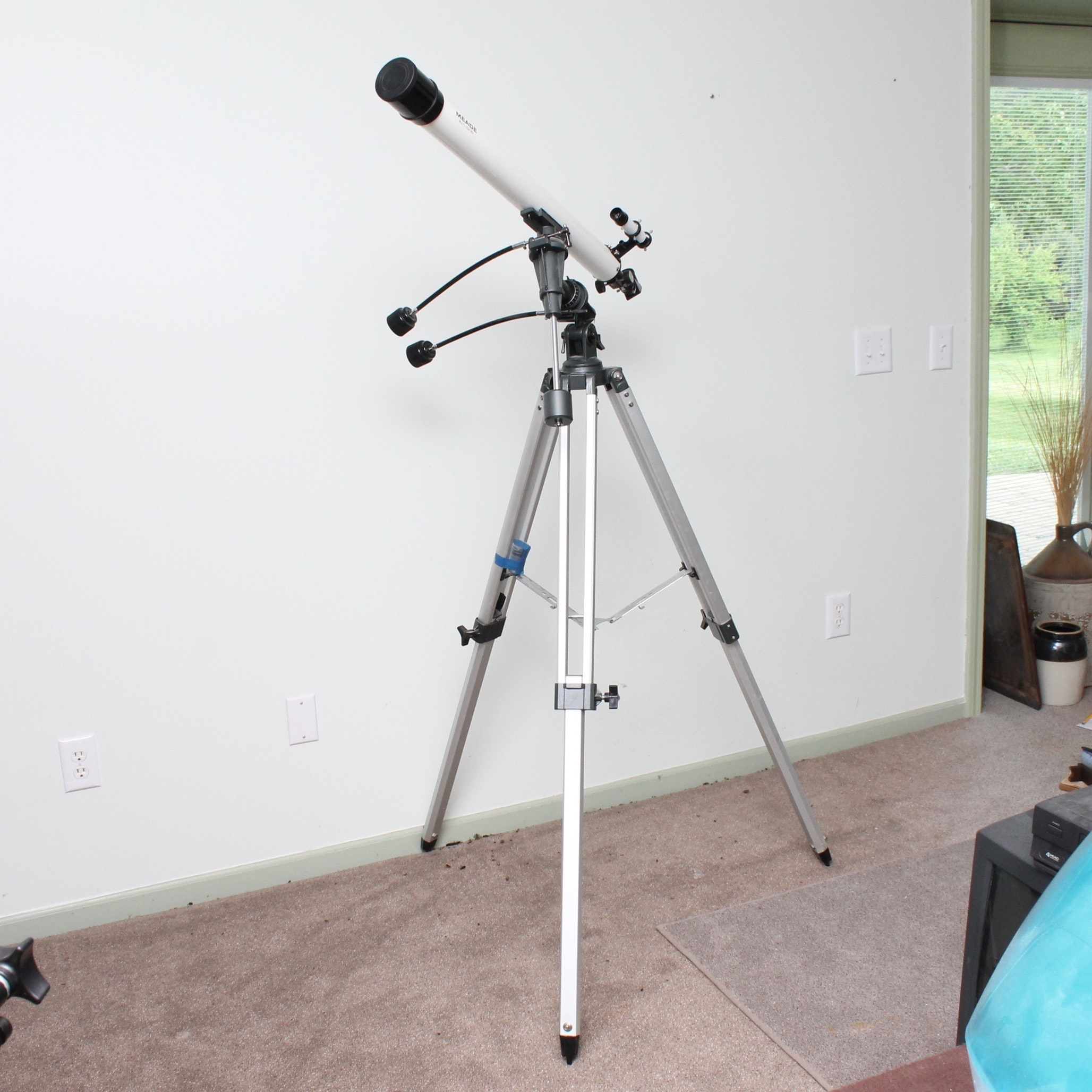 Meade Telescope with Tripod