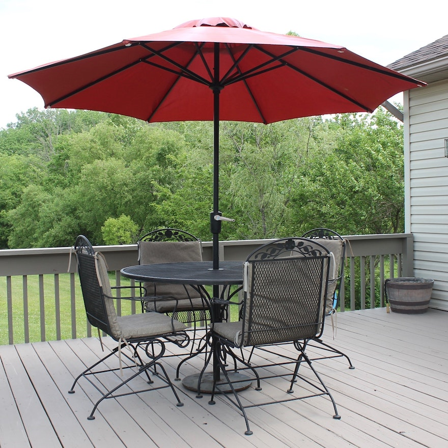 Patio Table and Chairs : EBTH