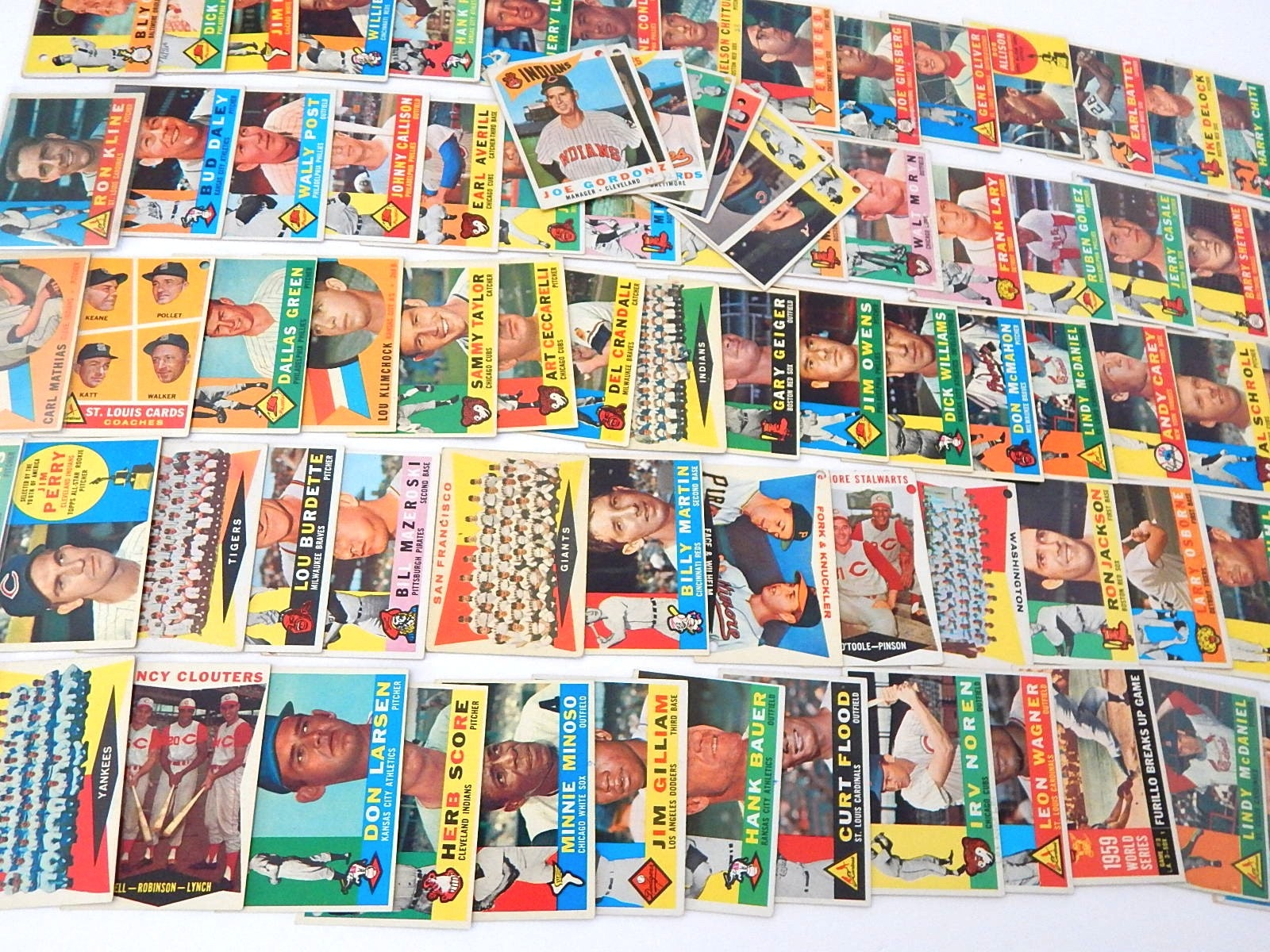 1960 Topps Baseball Cards - Over 80 Card Count