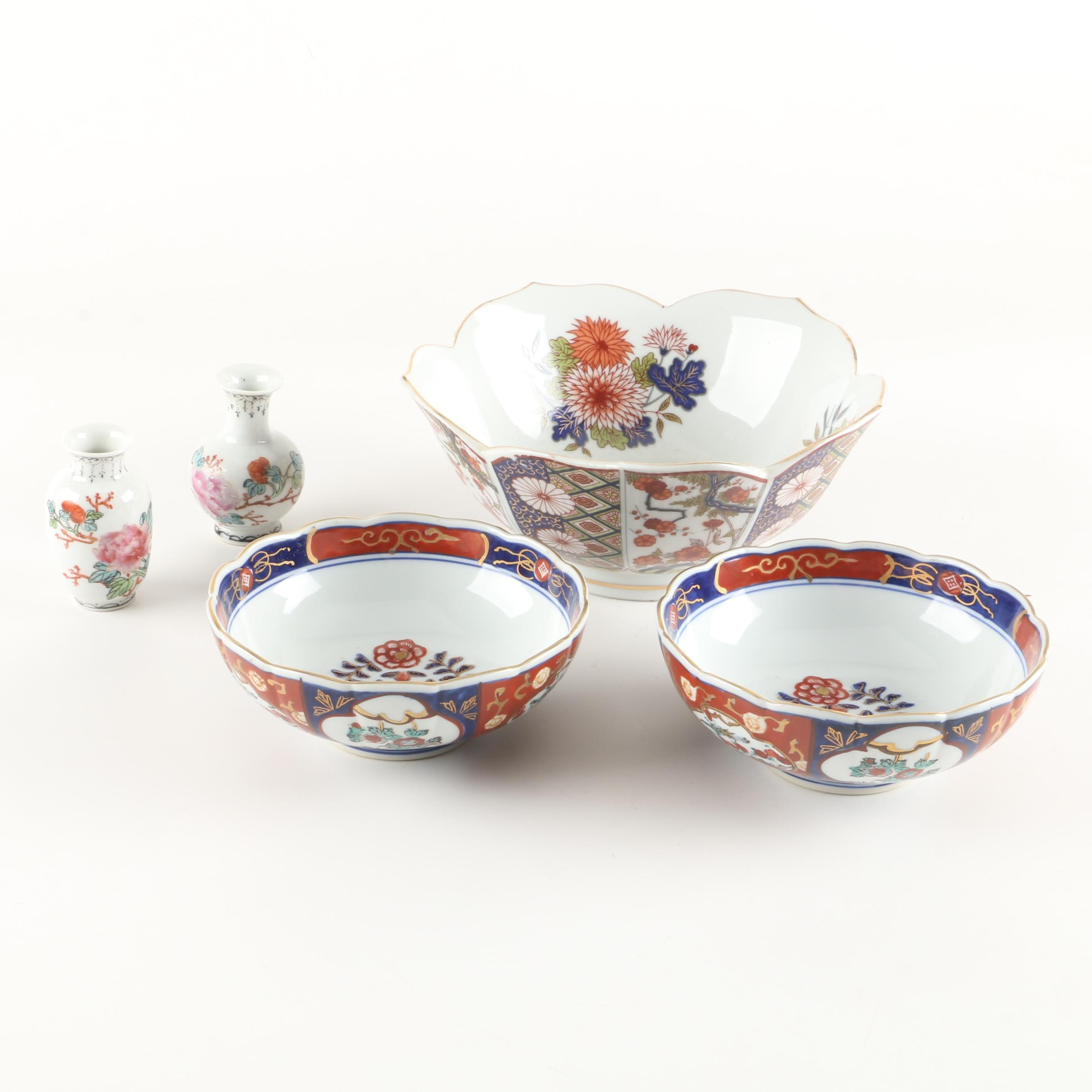 "Hand-Painted ""Gold Imari"" Porcelain Serveware with Chinese Bud Vases"