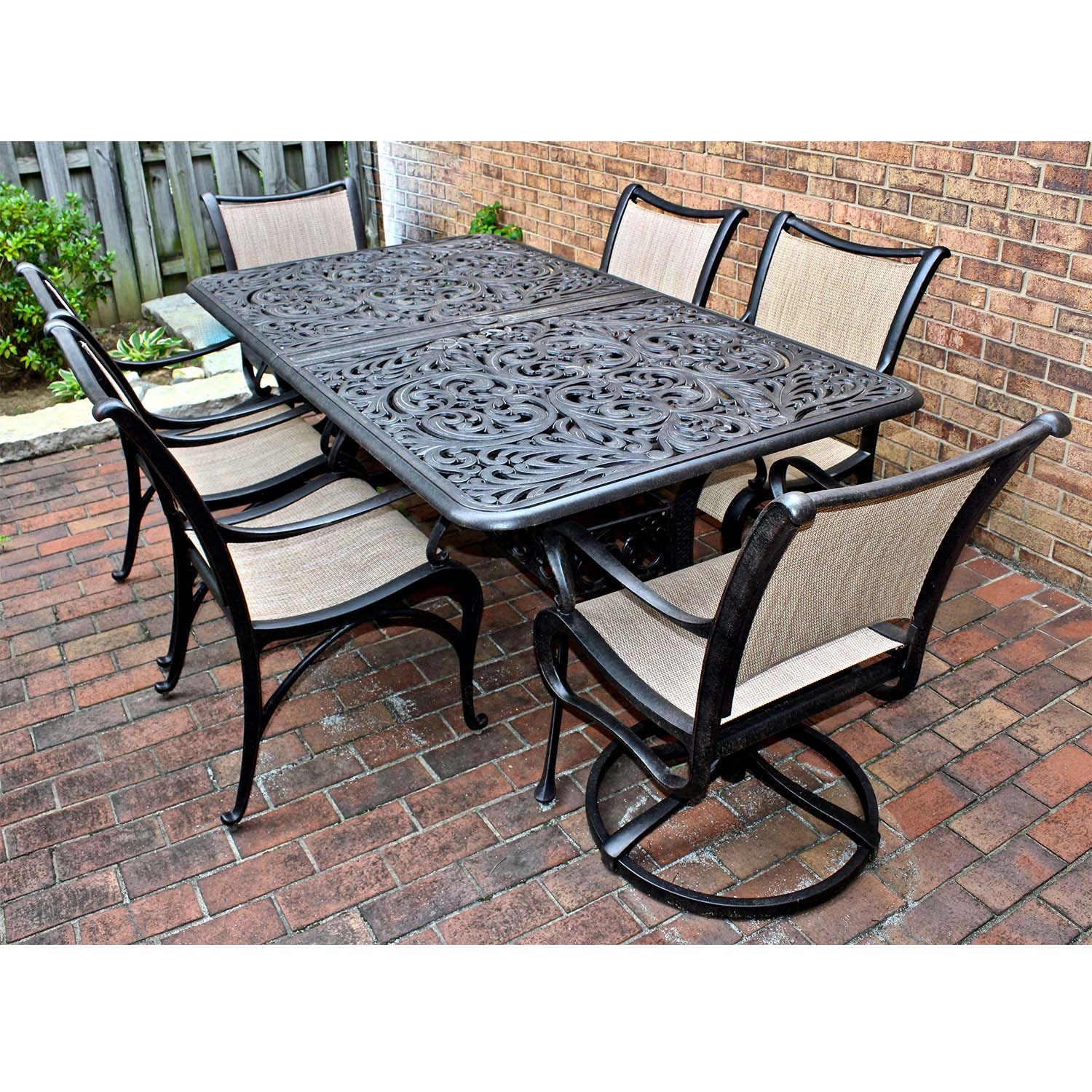 Outdoor Cast Aluminum Patio Leaf Dining Table and Chairs