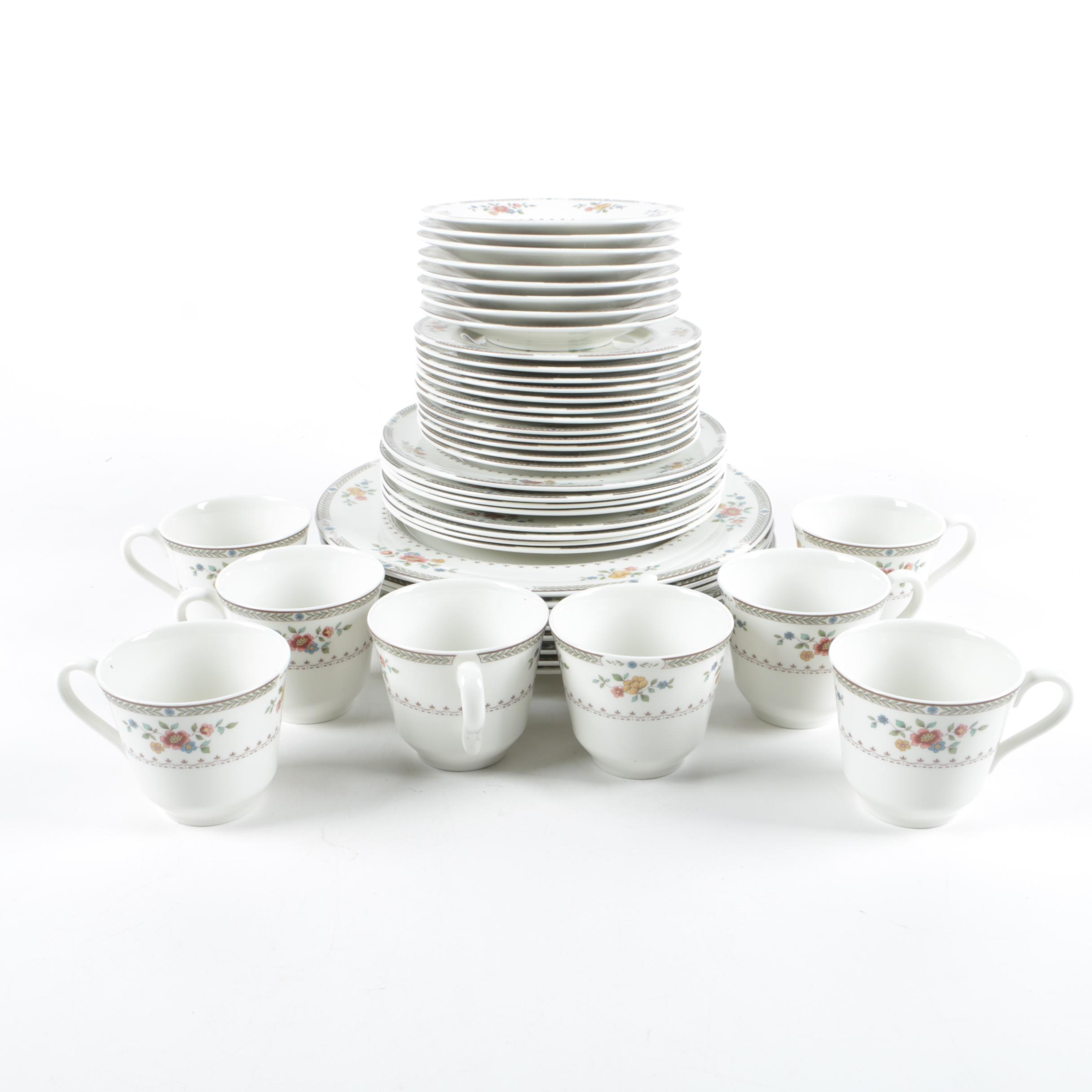 "Royal Doulton ""Kingswood"" Tableware"
