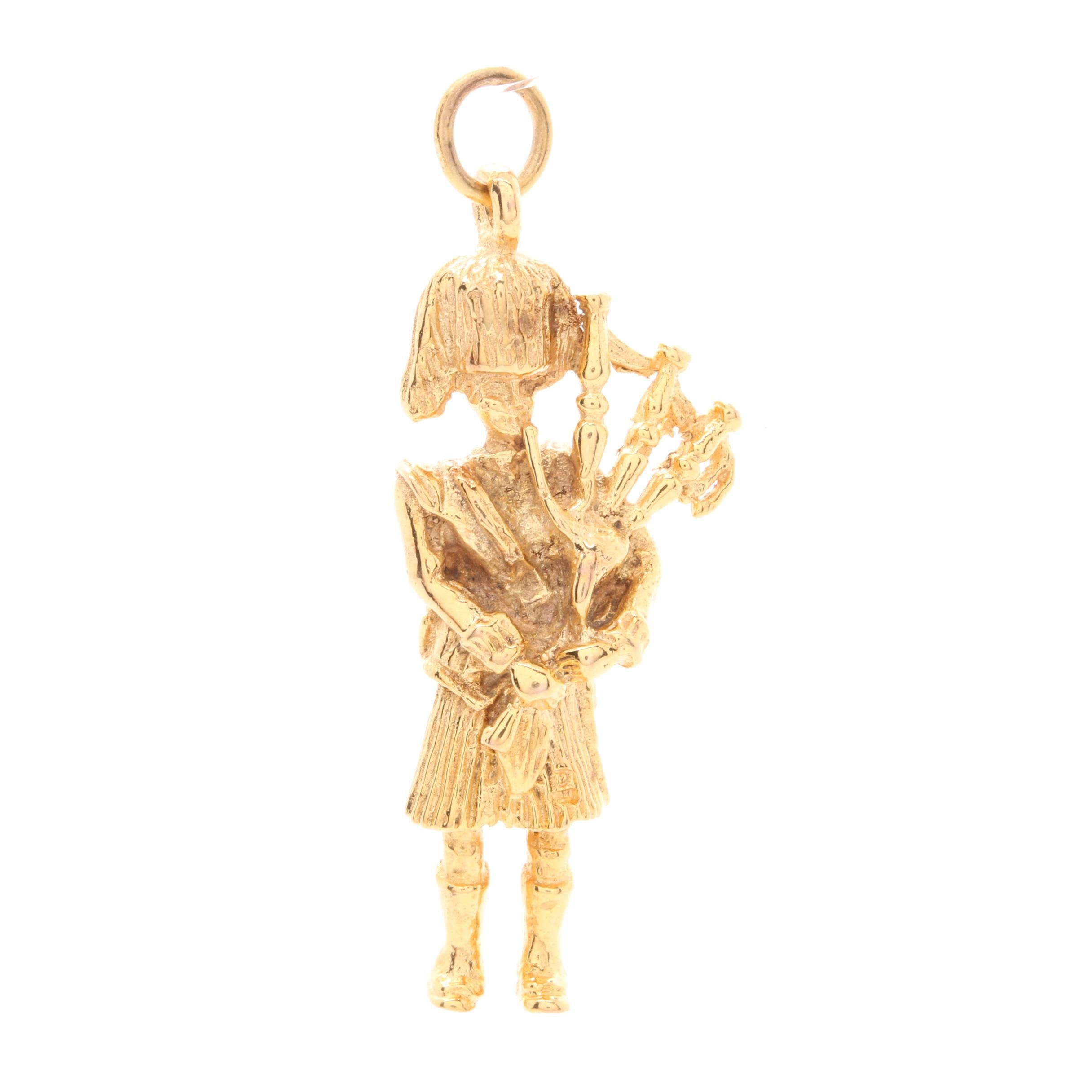 9K Yellow Gold Bagpiper Charm