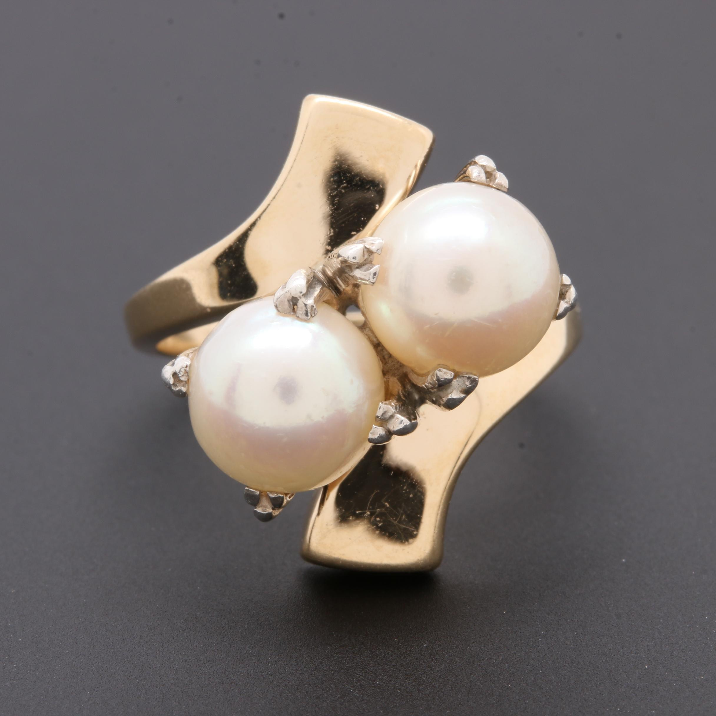 Vintage 1960s 14K Yellow Gold Cultured Pearl Ring with 900 Silver Prongs