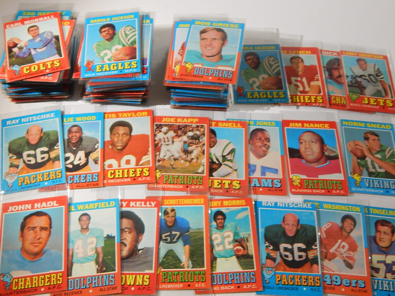 1971 Topps Football Card Collection - Around 150 Card Count