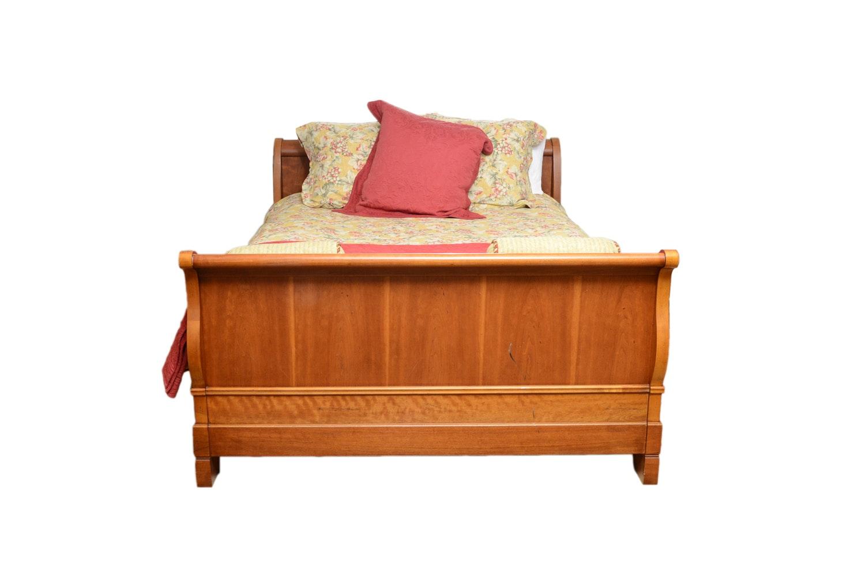 Contemporary Queen Size Sleigh Bed
