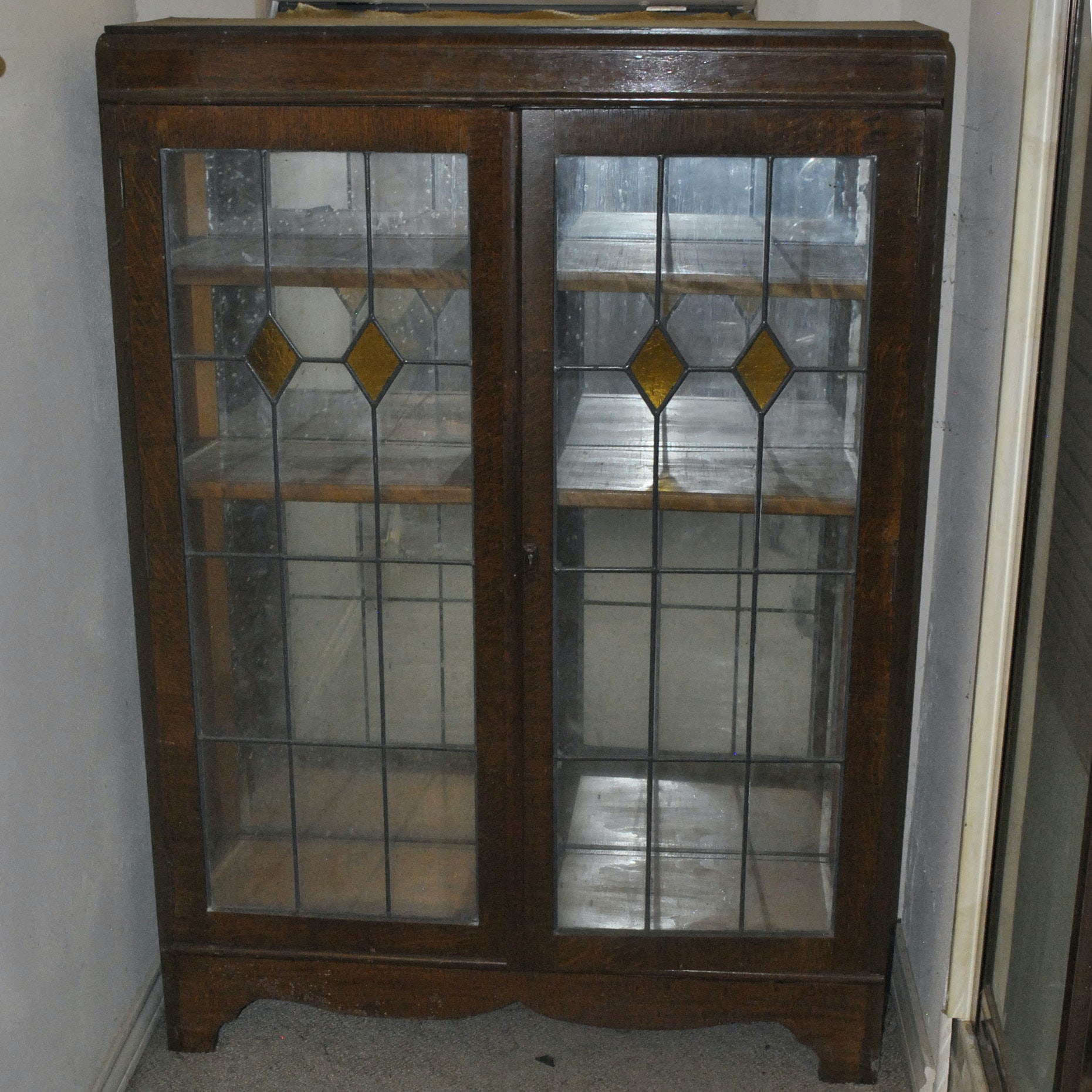 Arts and Crafts Stained Glass Oak Display Cabinet