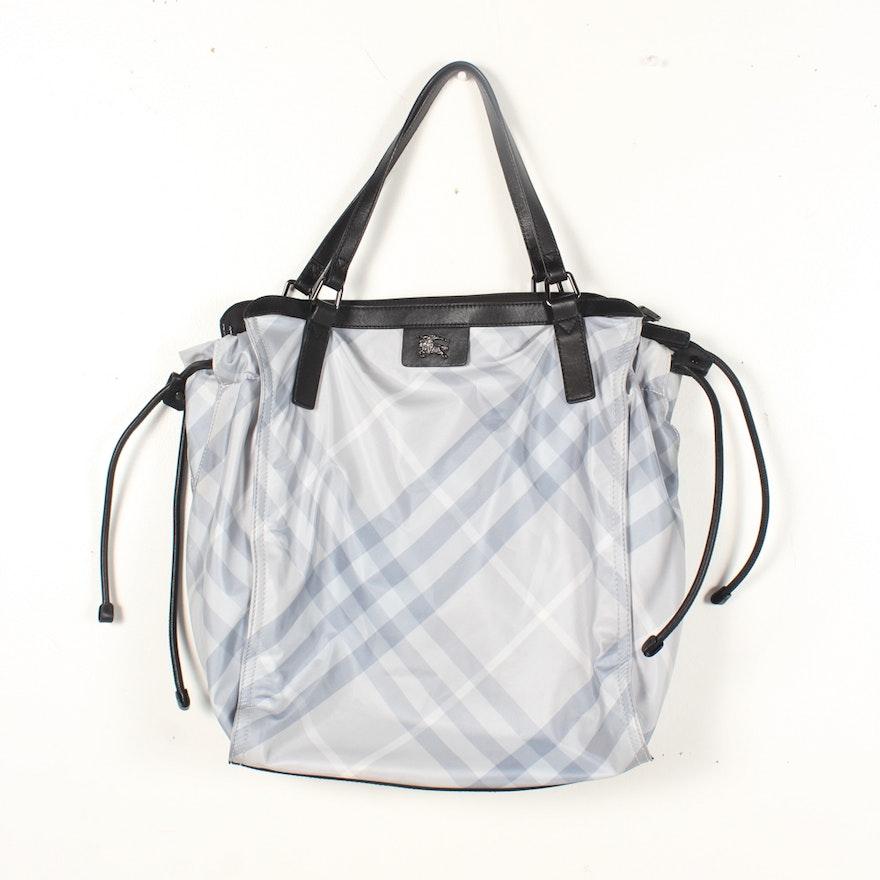 7cb6e9e1f820 Burberry Buckleigh Packable Nylon Tote Bag   EBTH