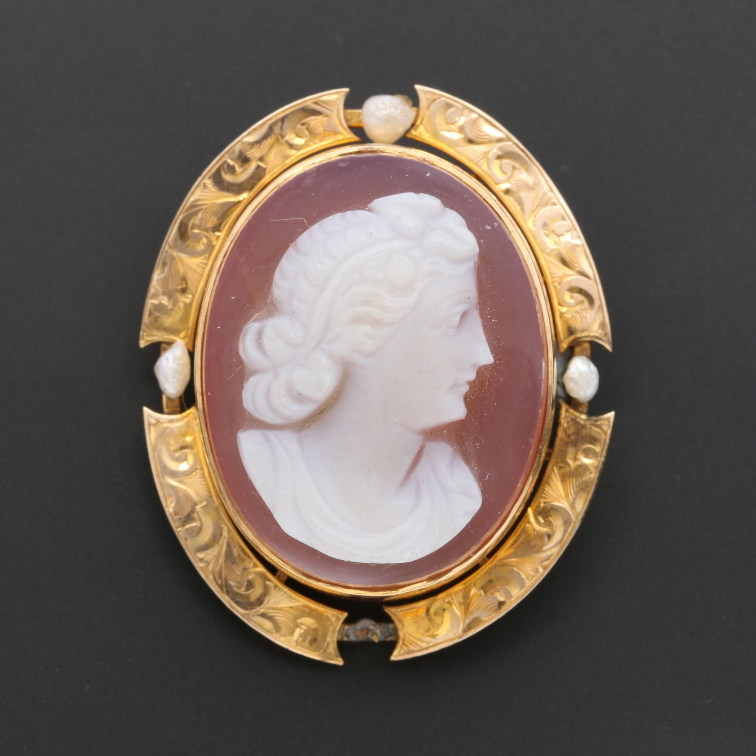 Antique 10K Yellow Gold Agate and Cultured Pearl Cameo Brooch