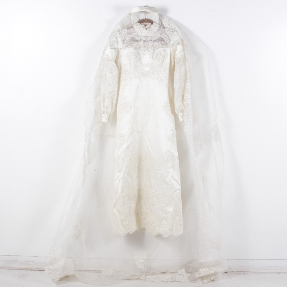 Vintage Lace and Taffeta Wedding Dress