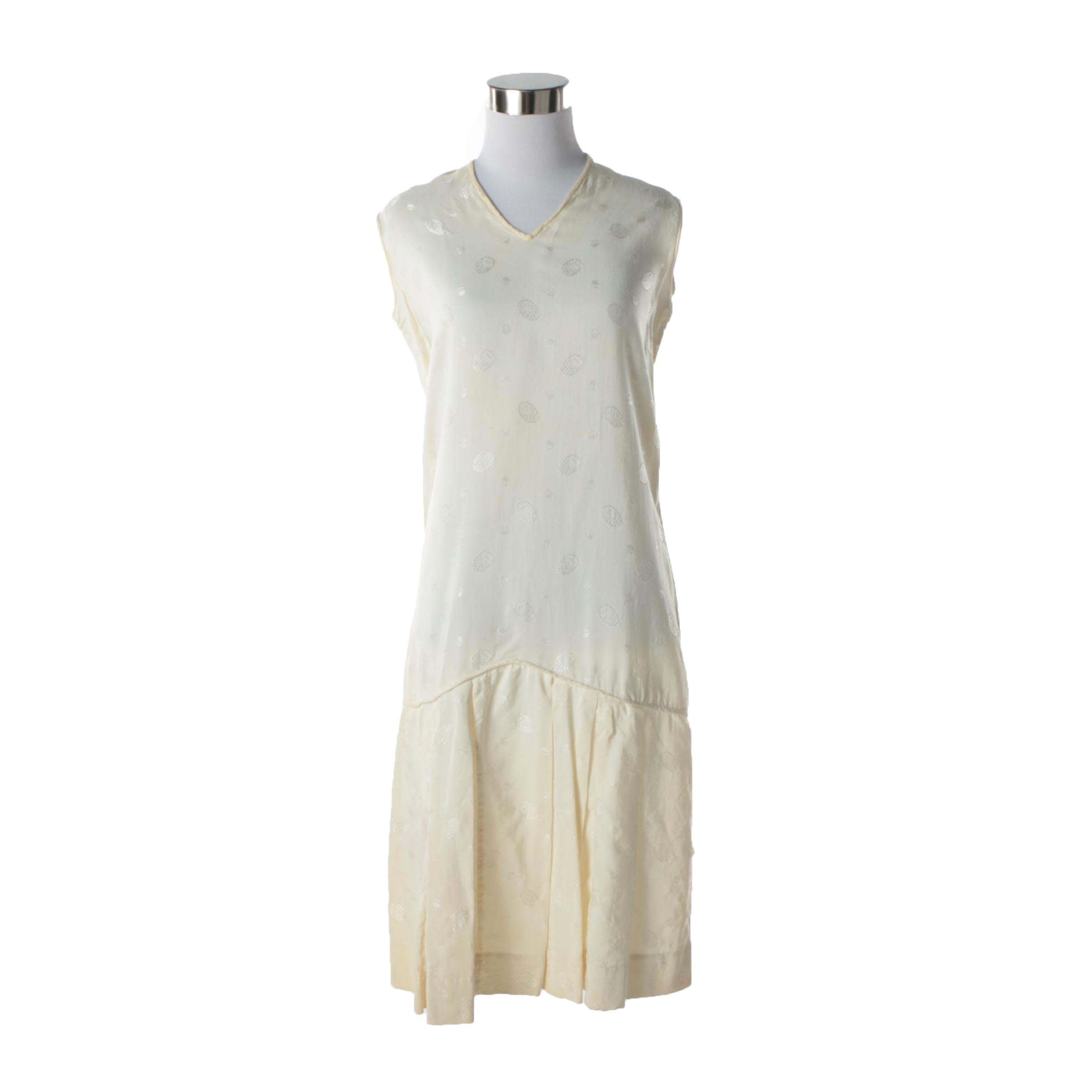 Circa 1920s Vintage Cream Silk Blend Drop Waist Sleeveless Dress