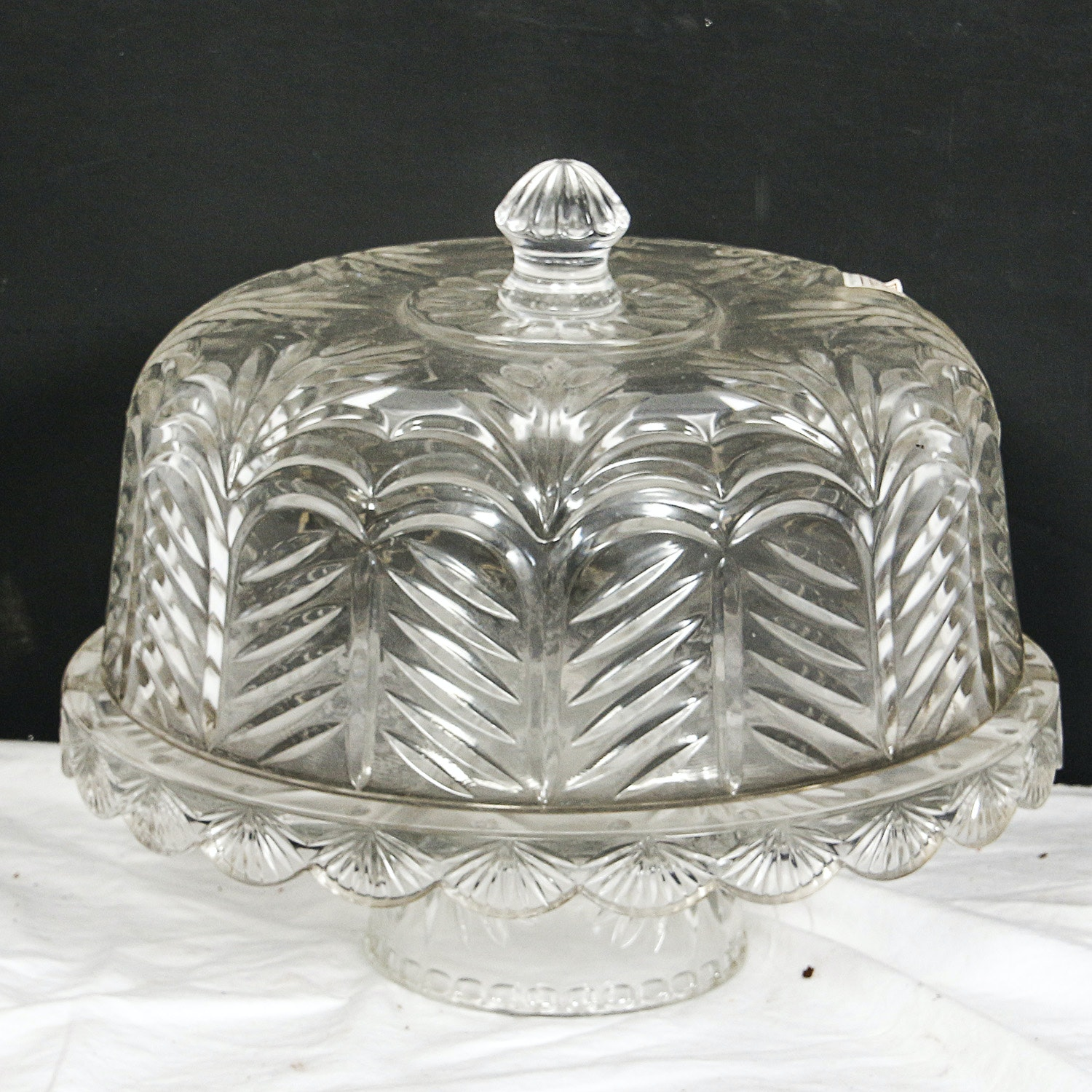 """Fifth Avenue Crystal """"Portico"""" Domed Cake Plate"""