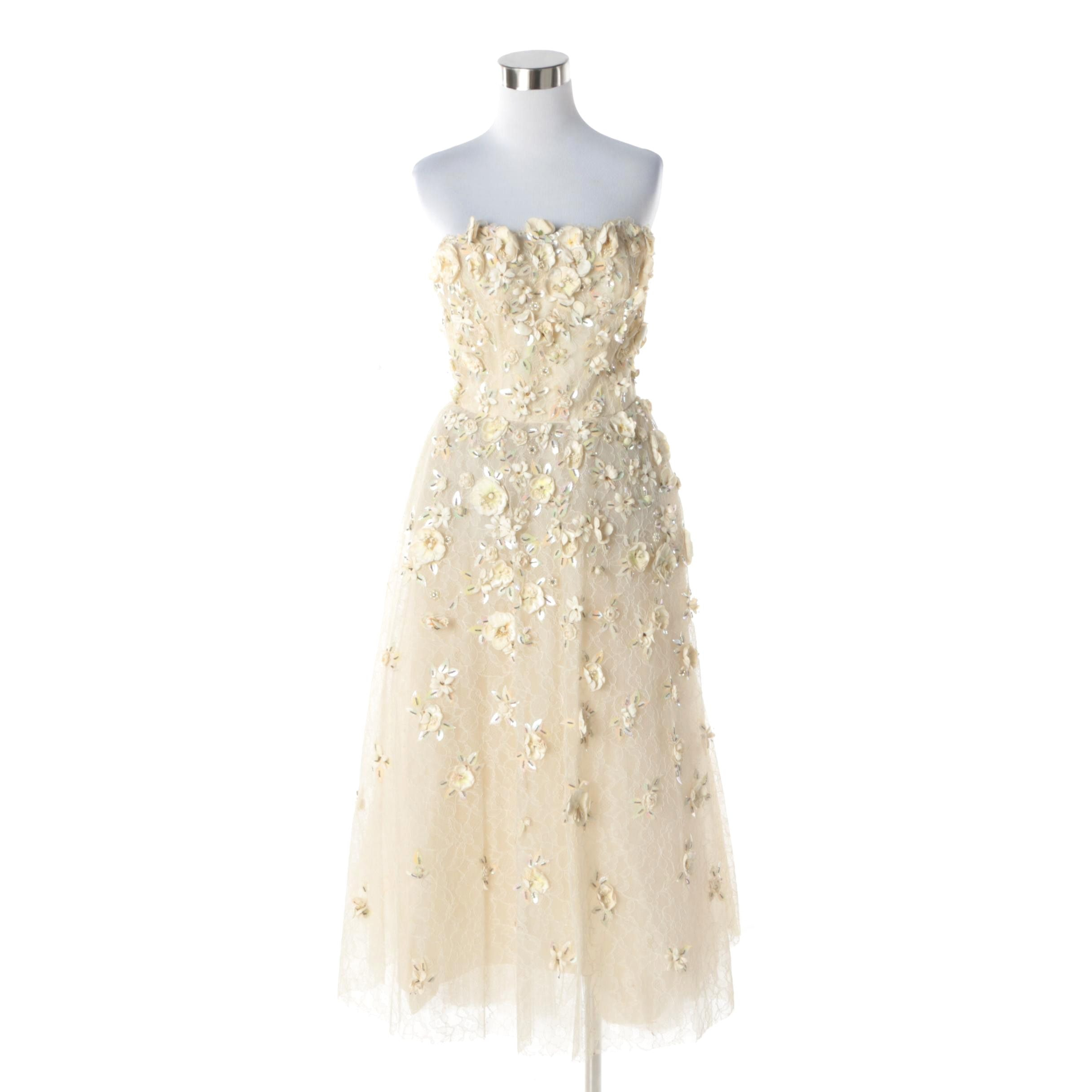 1950s Vintage Ivory Silk Hand Appliqued Floral Strapless Dress with French Lace