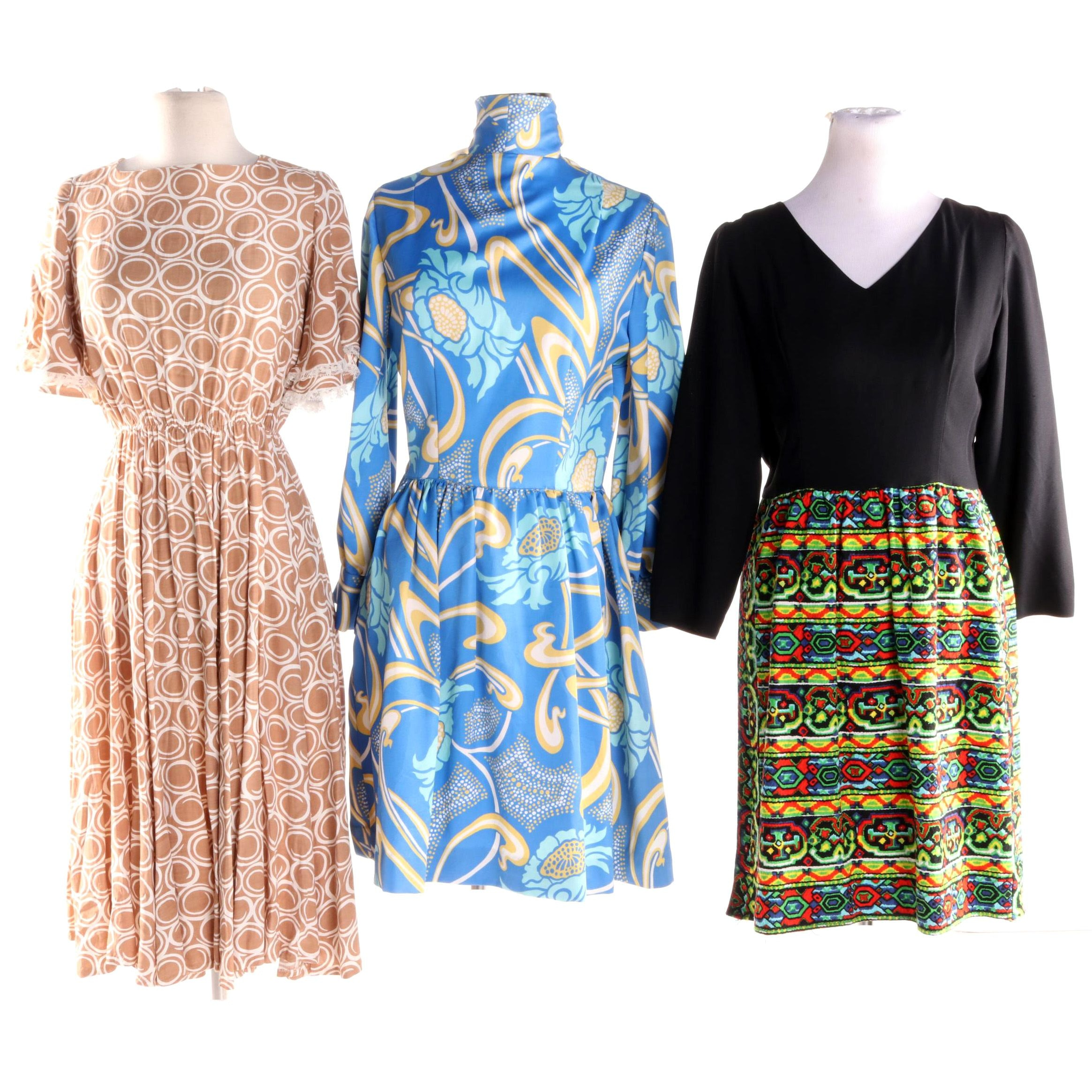 1970s Vintage Op Art Colorful Print Dresses