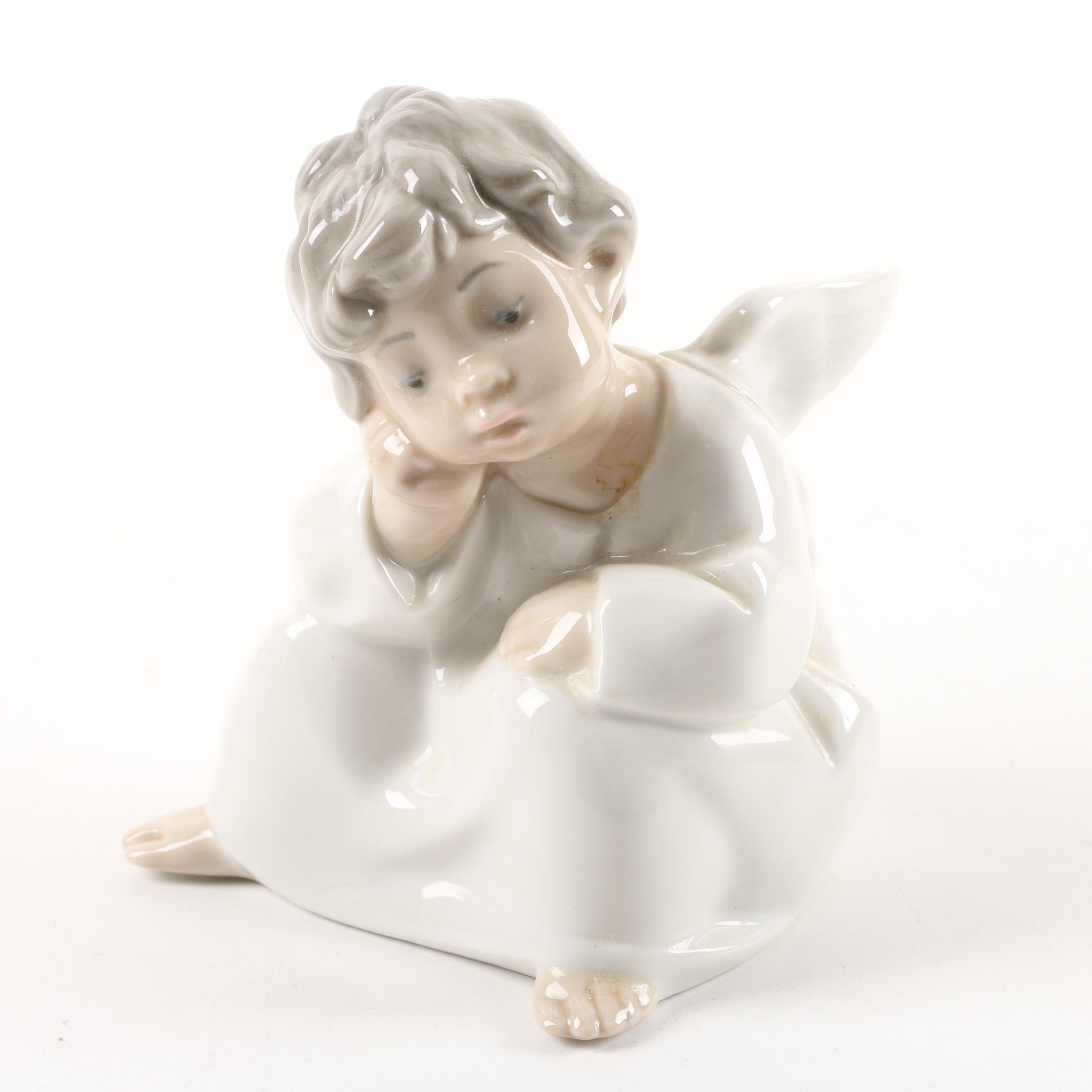 "Lladró ""Dreaming Angel"" Porcelain Figurine"