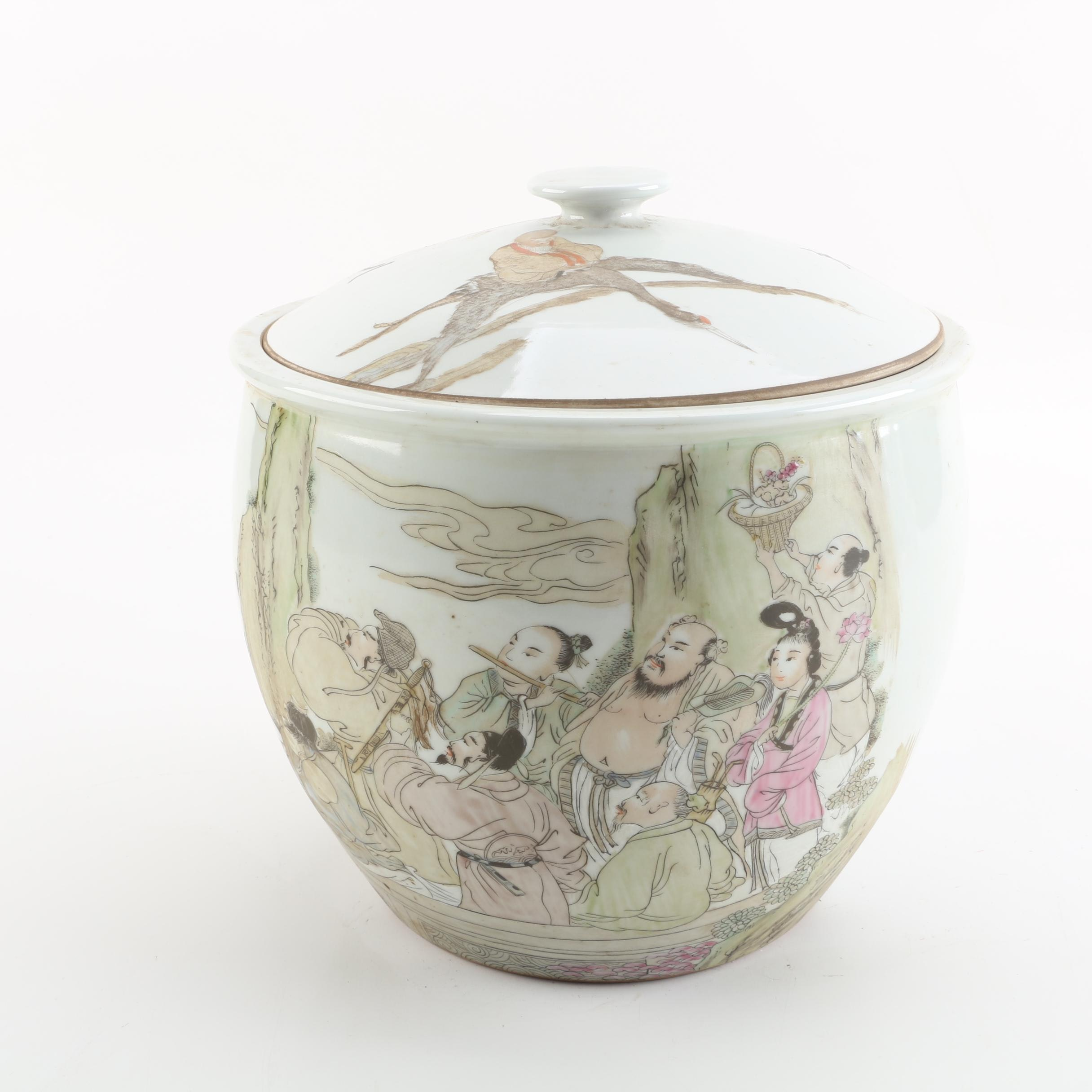 Chinese Hand-Painted Figurative Porcelain Lidded Jar