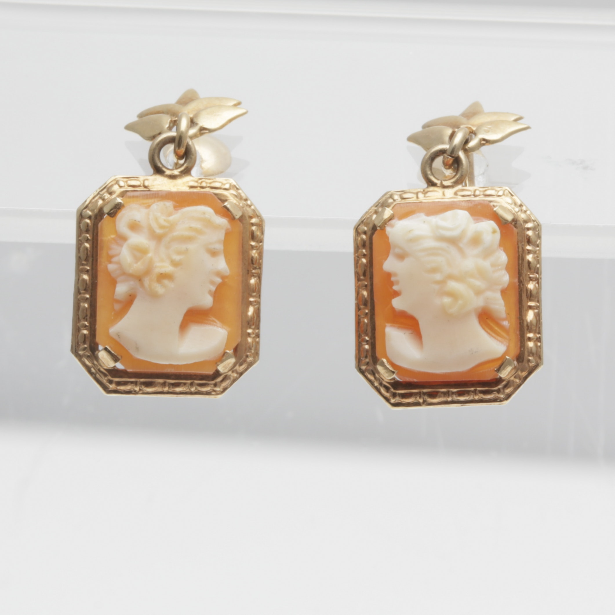 10K Yellow Gold Vintage Hand Carved Cameo Screw Back Earrings