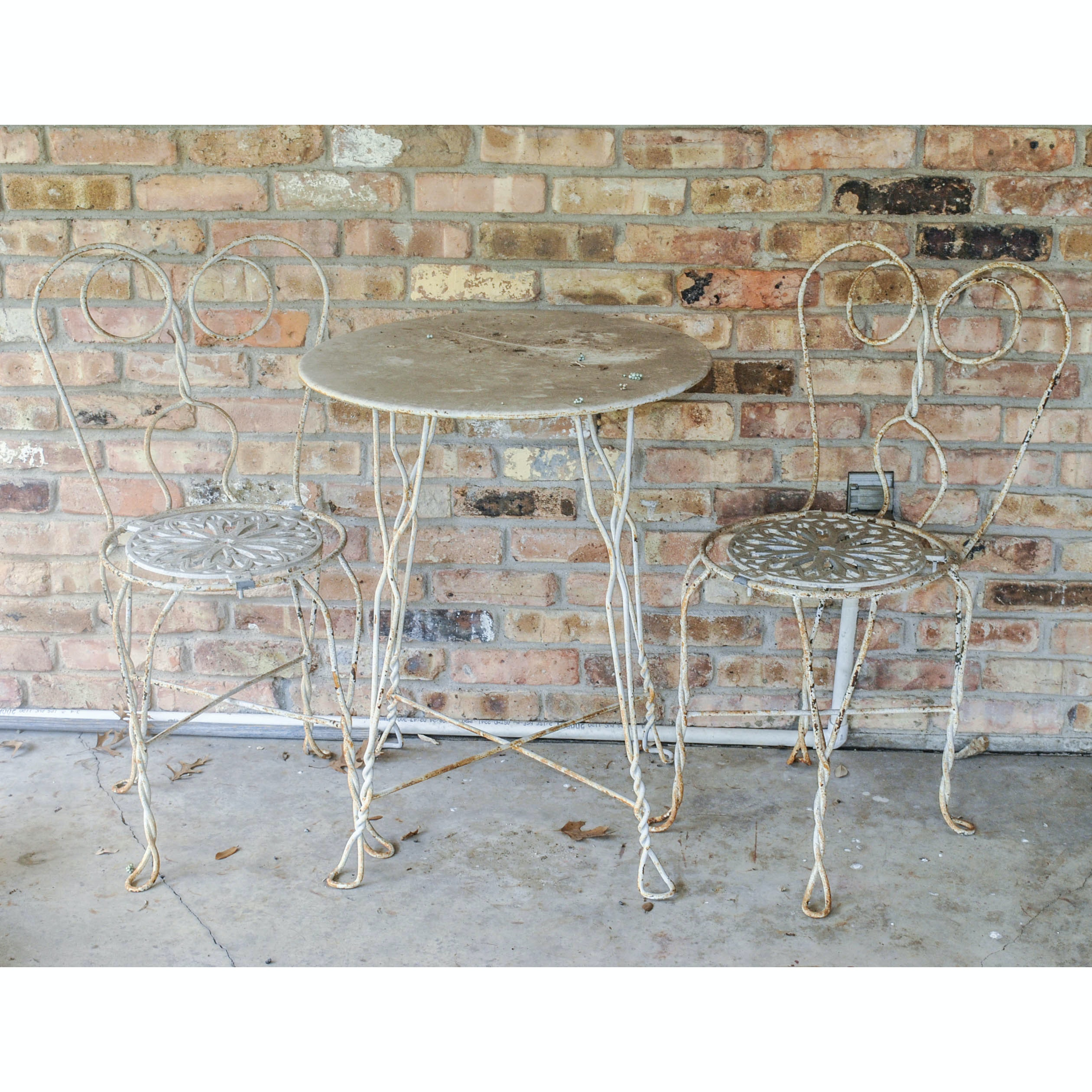 Vintage Wire Form Ice Cream Parlor Style Patio Set