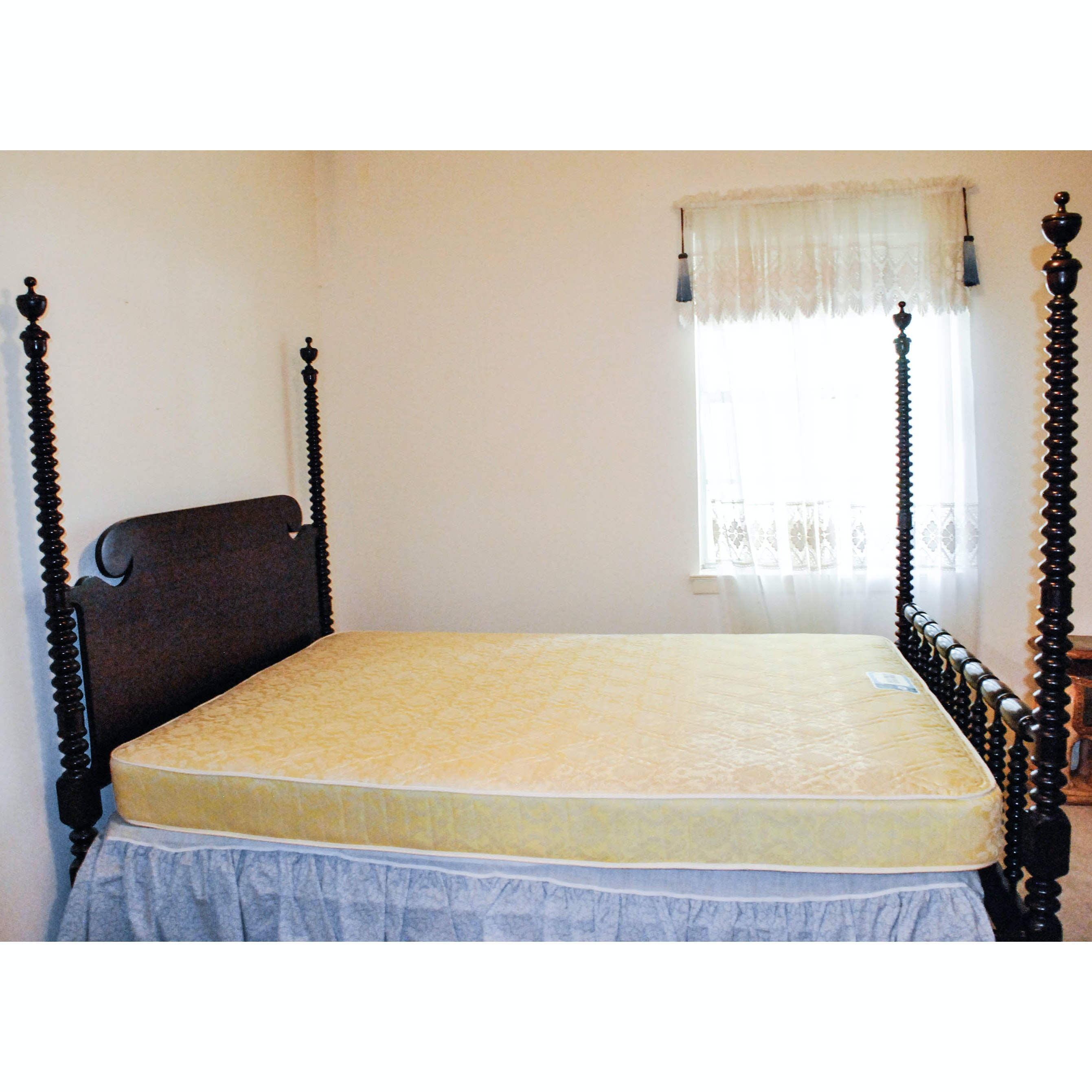 Cannonball Full Size Bed Frame with Bobbin Turned Posters