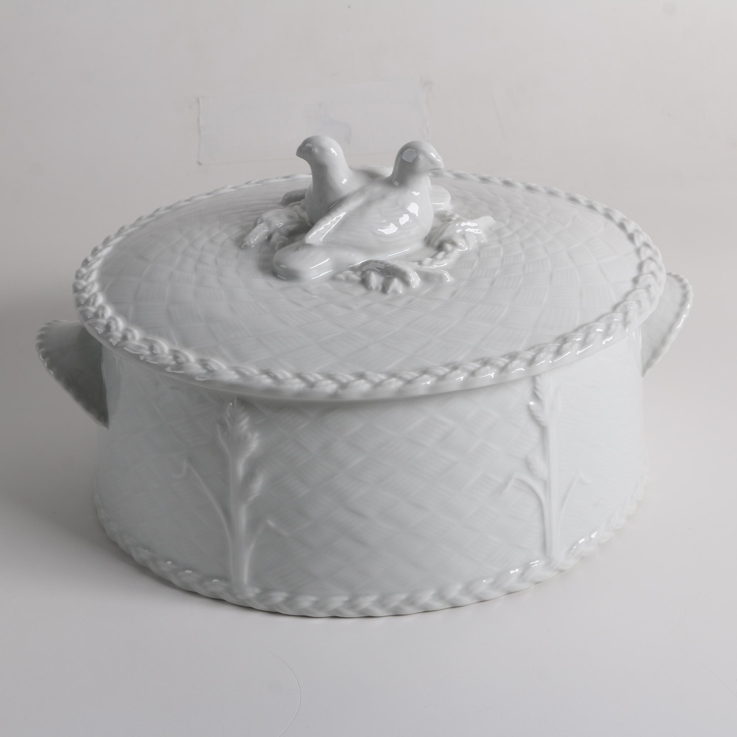 """1983 Royal Worcester """"Gourmet"""" Baking China Dish"""