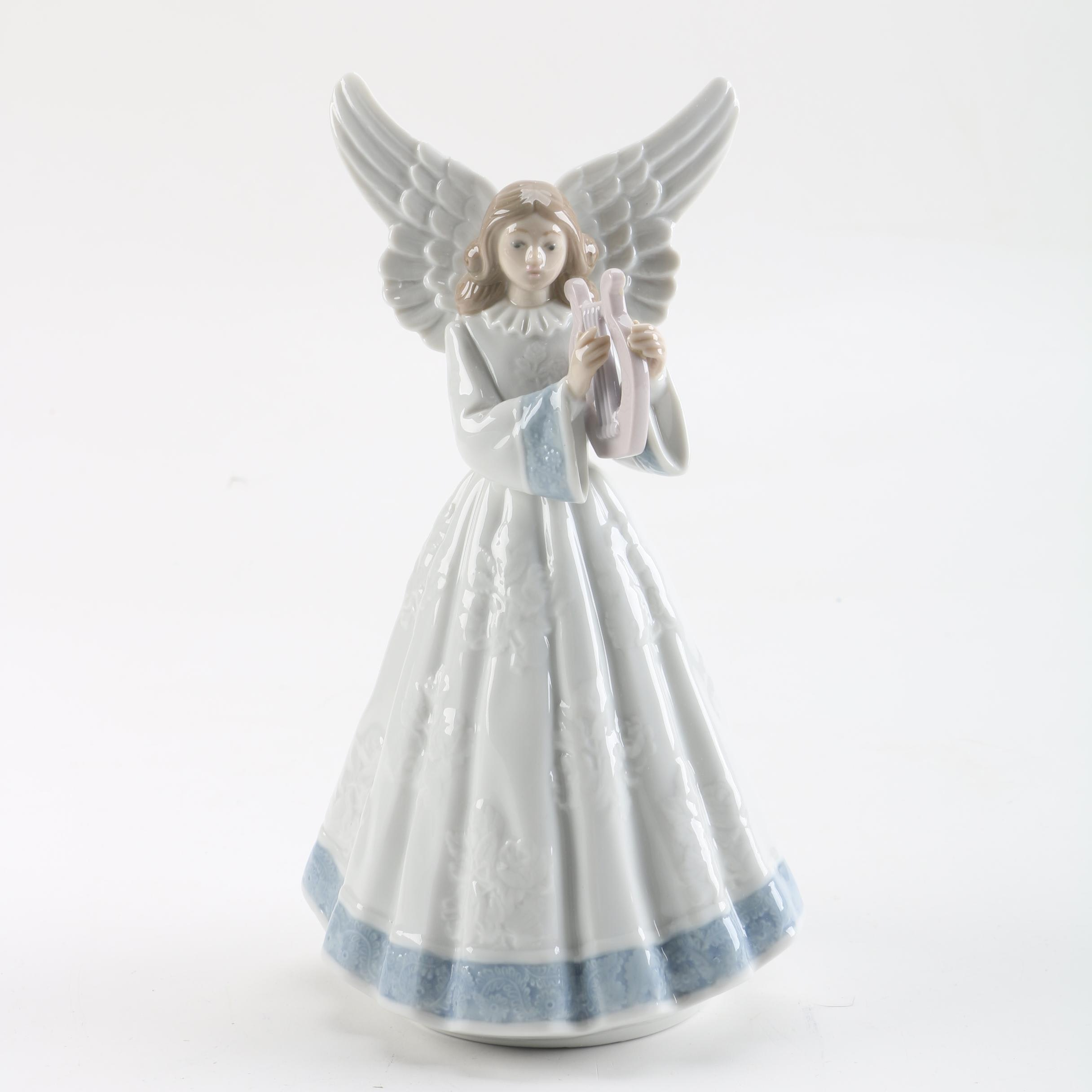 "Lladró ""Heavenly Harpist"" Figurine"