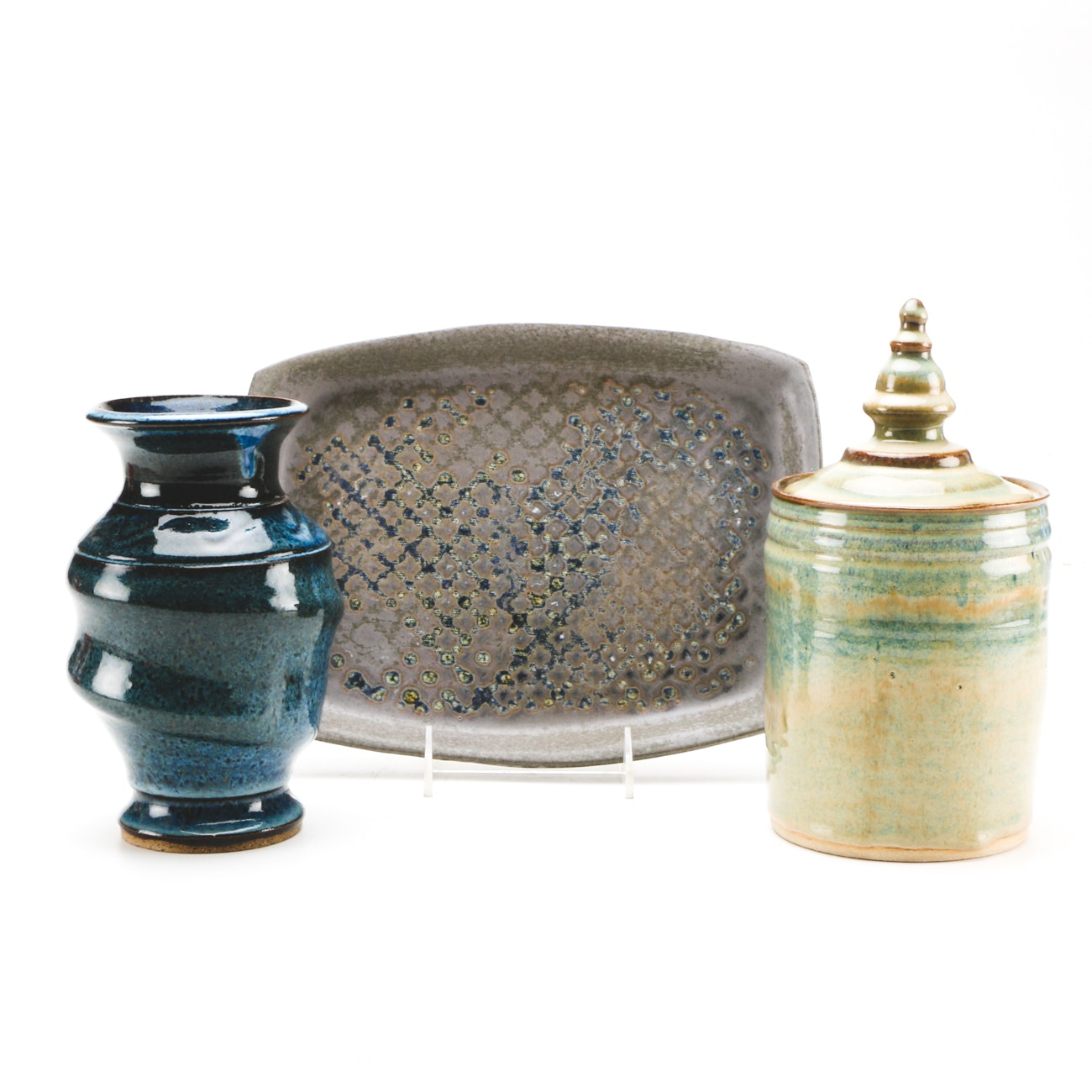 Thrown Stoneware and Porcelain Tableware and Decor