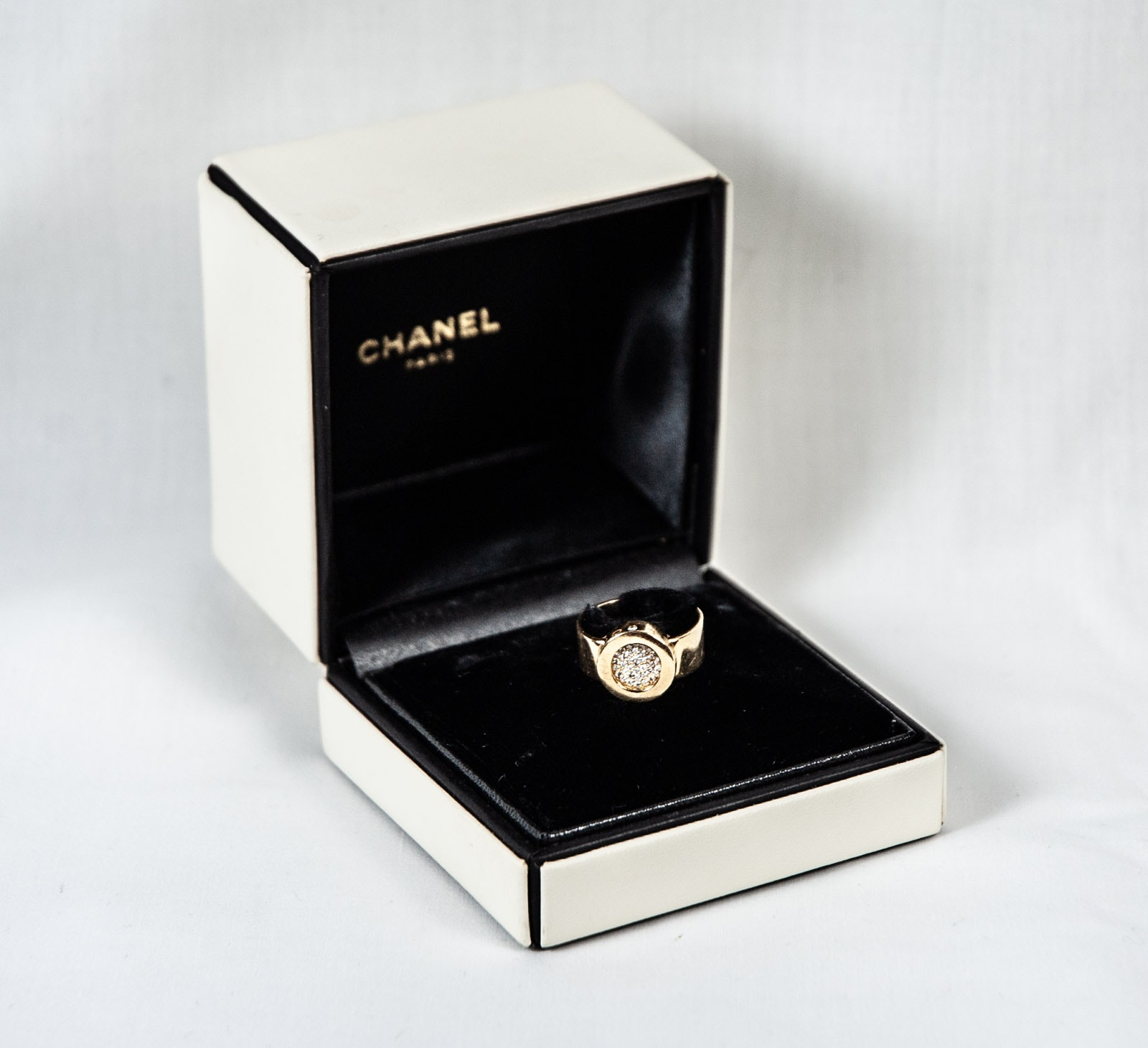 "Chanel ""La Ronde"" 18K Yellow Gold Diamond Pavé Ring"