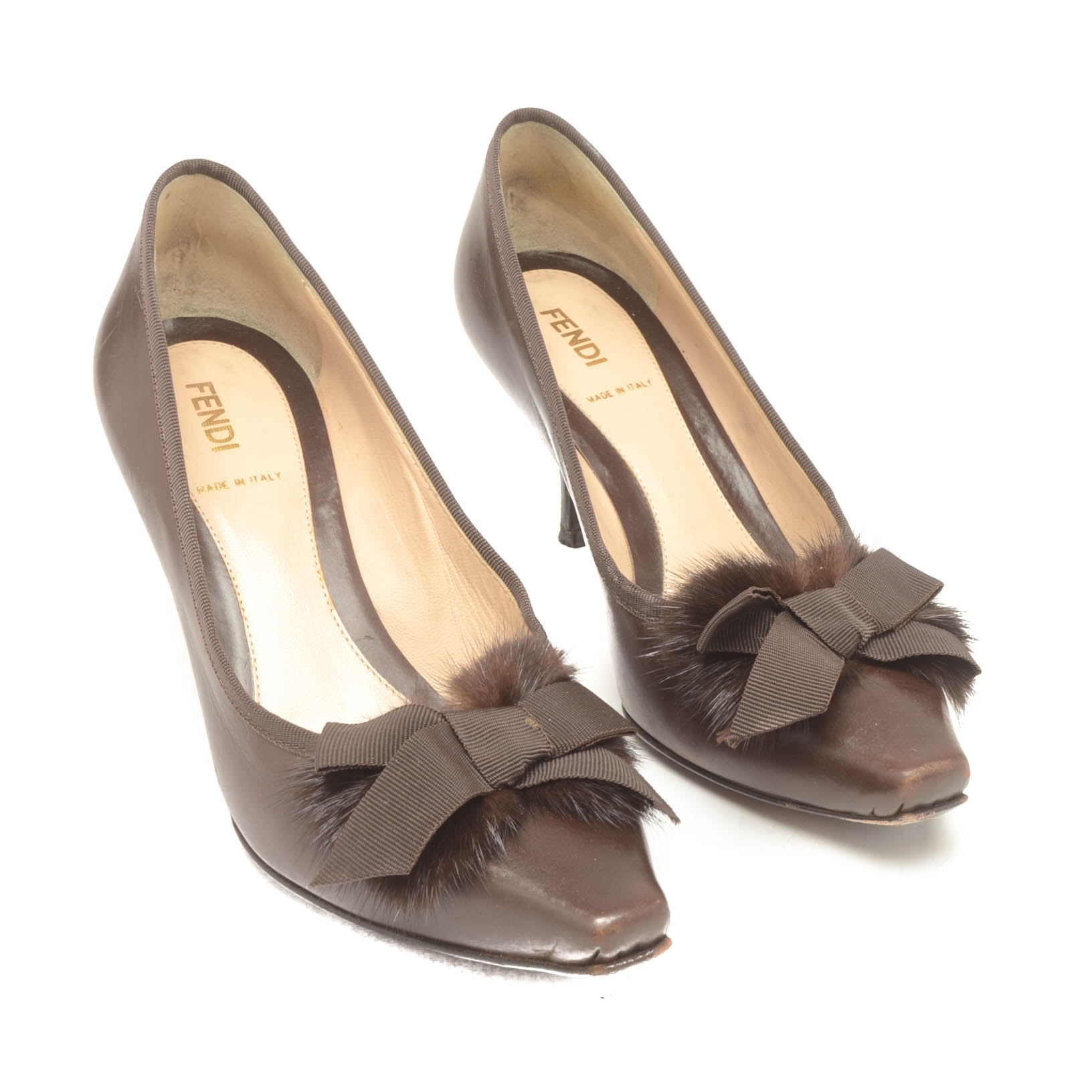 Fendi Brown Leather Pumps Trimmed in Monochromatic Grosgrain Ribbon and Mink Fur