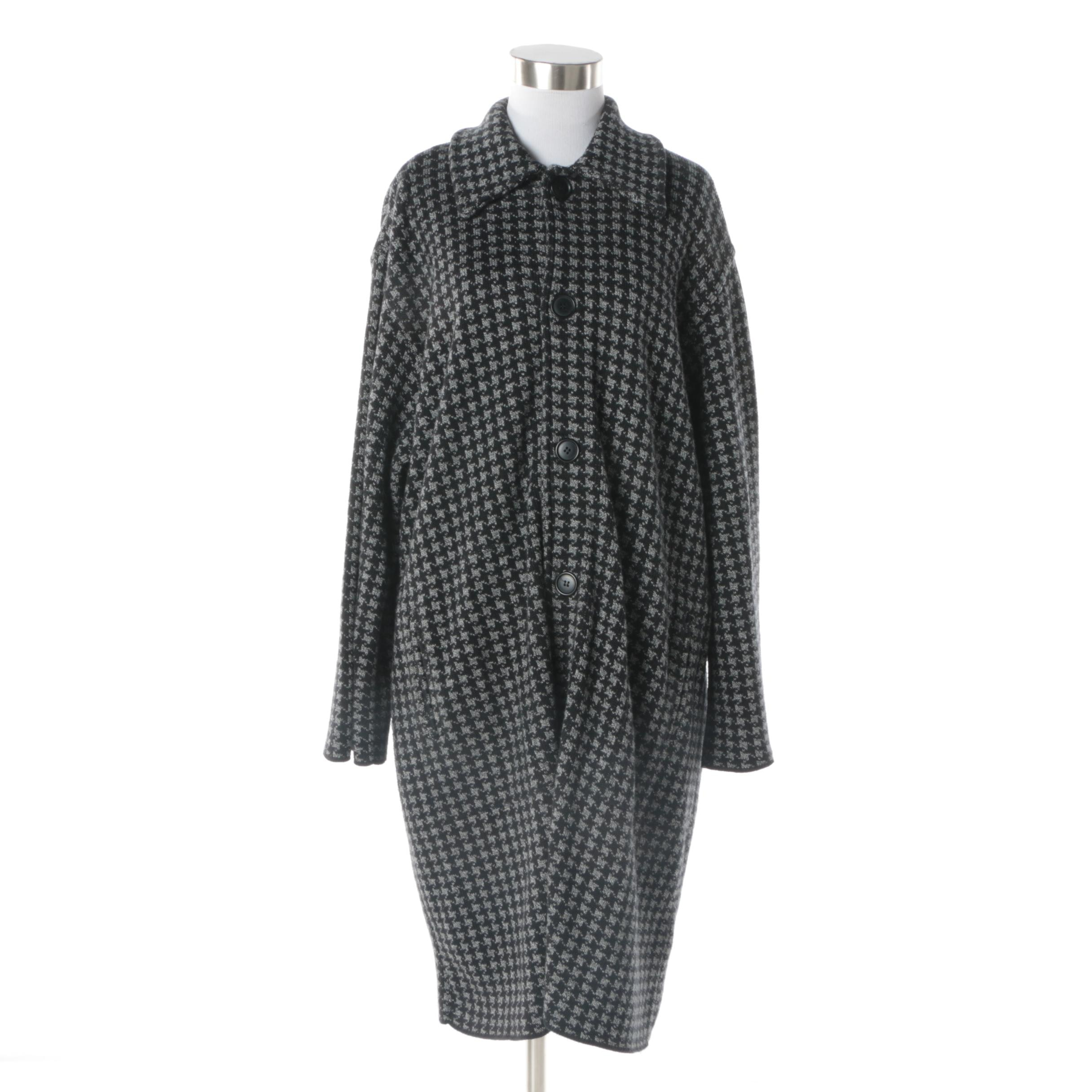 Women's Joan Vass Grey and Black Knit Houndstooth Coat