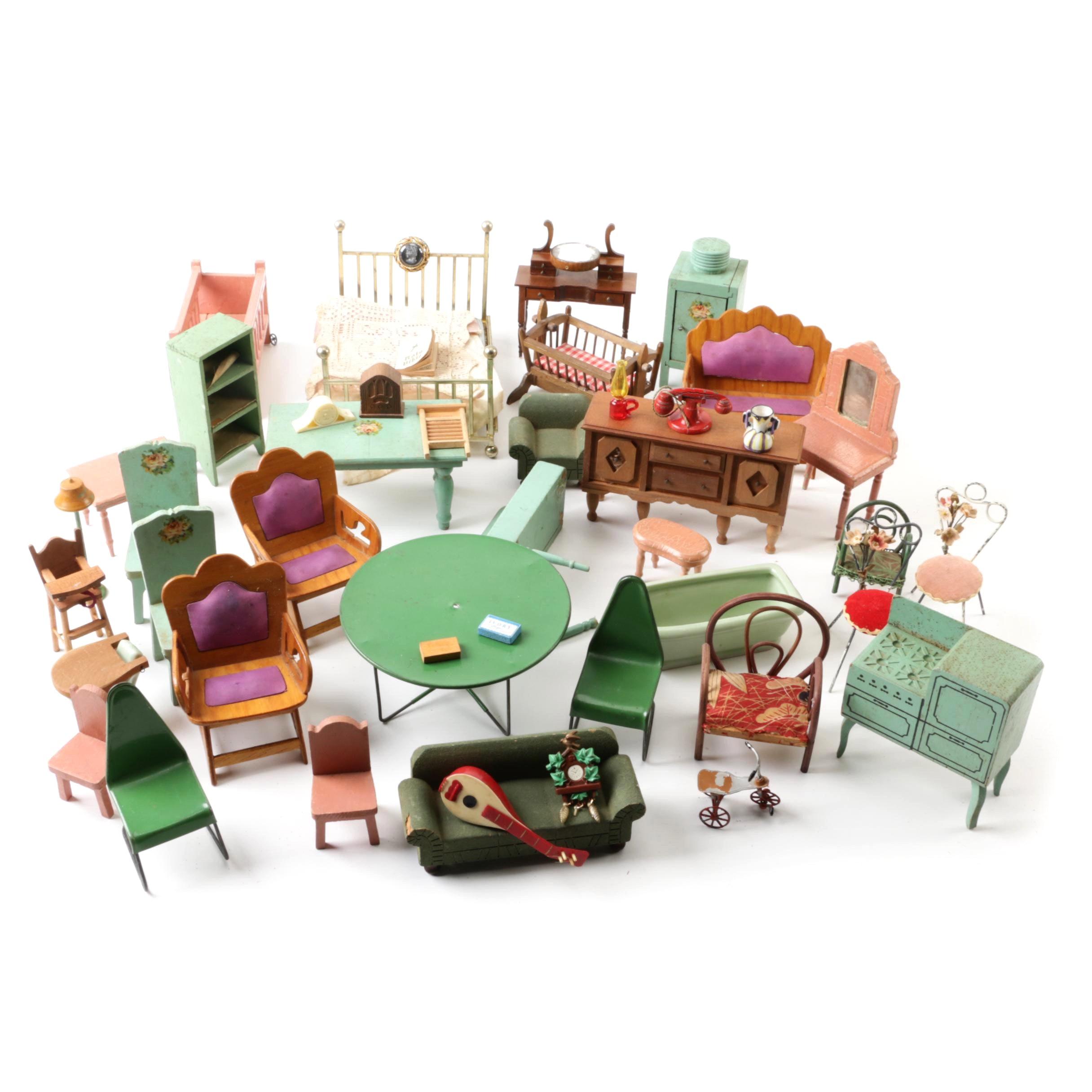 Vintage Dollhouse Furniture Featuring Shackman