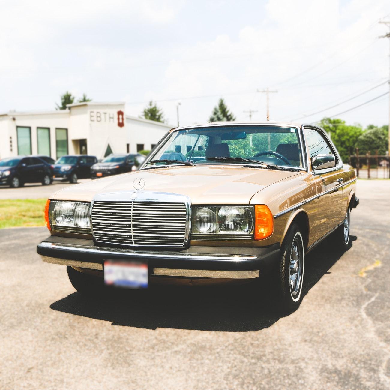1984 Mercedes-Benz 300CD Turbo Diesel C123 Luxury Coupe