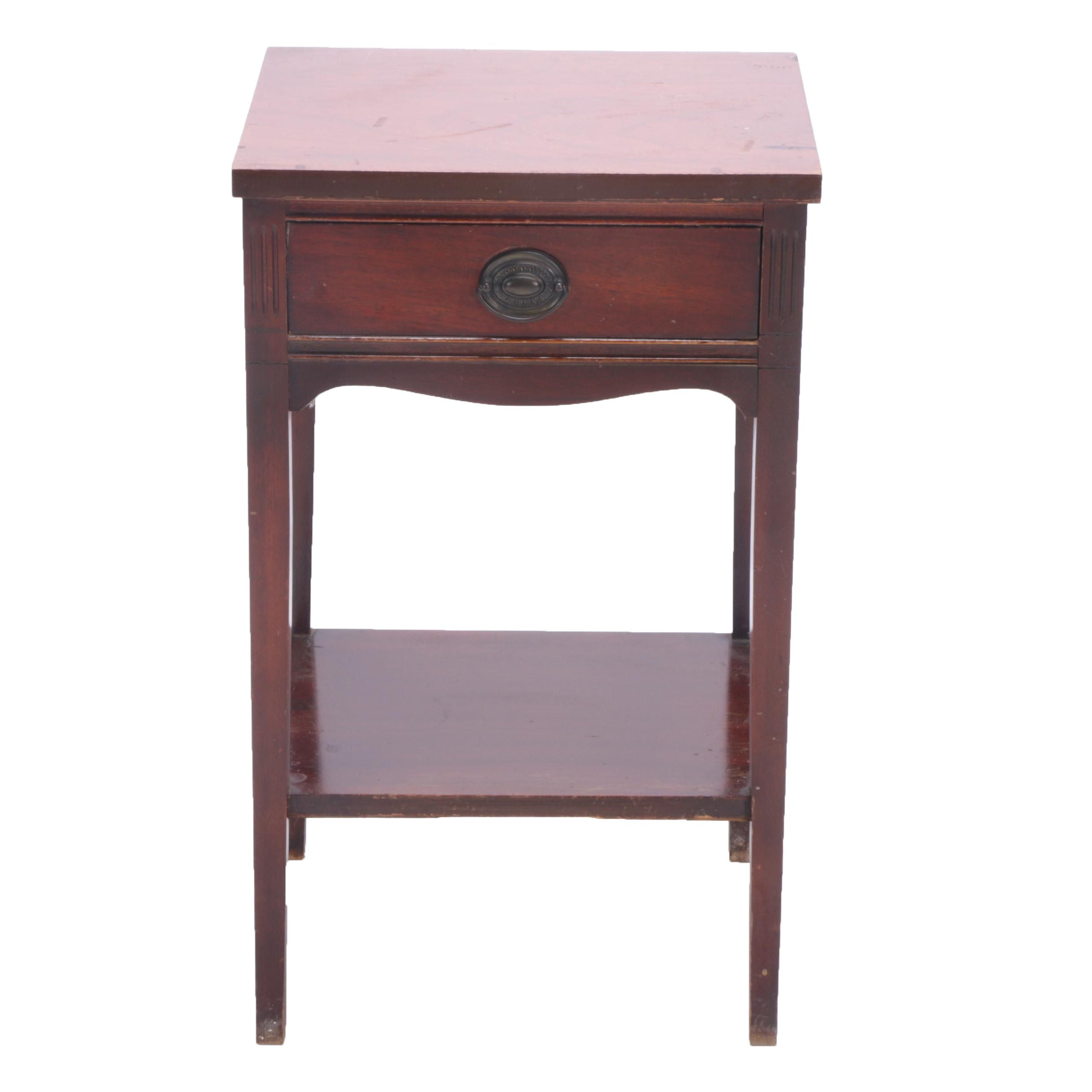Vintage Hepplewhite Style End Table by Dixie