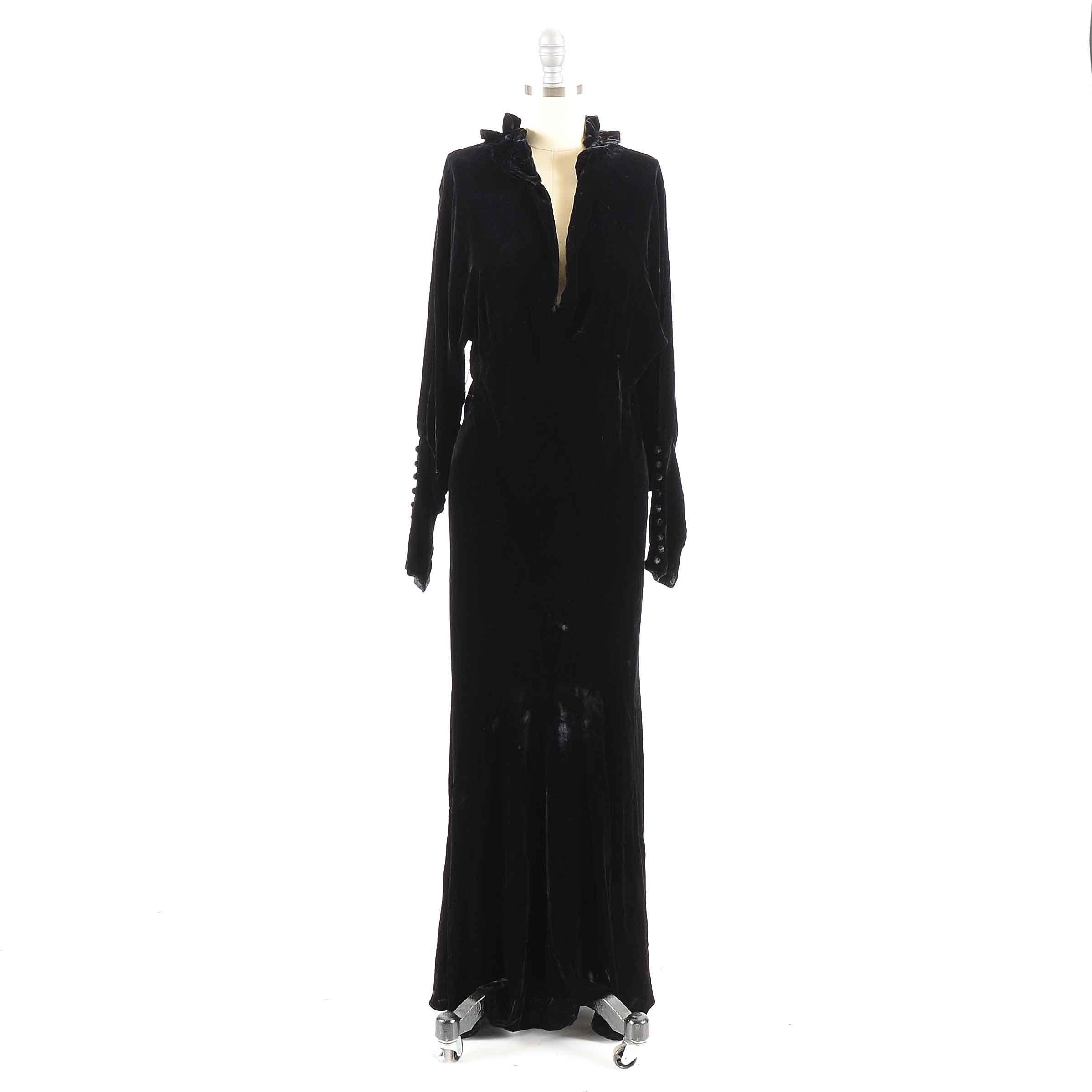 1930s Vintage Black Velvet Dress