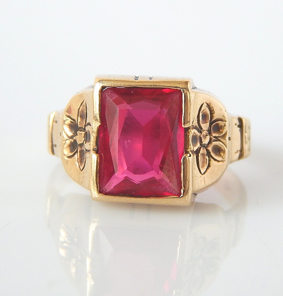 10K Yellow Gold Victorian Ruby Ring