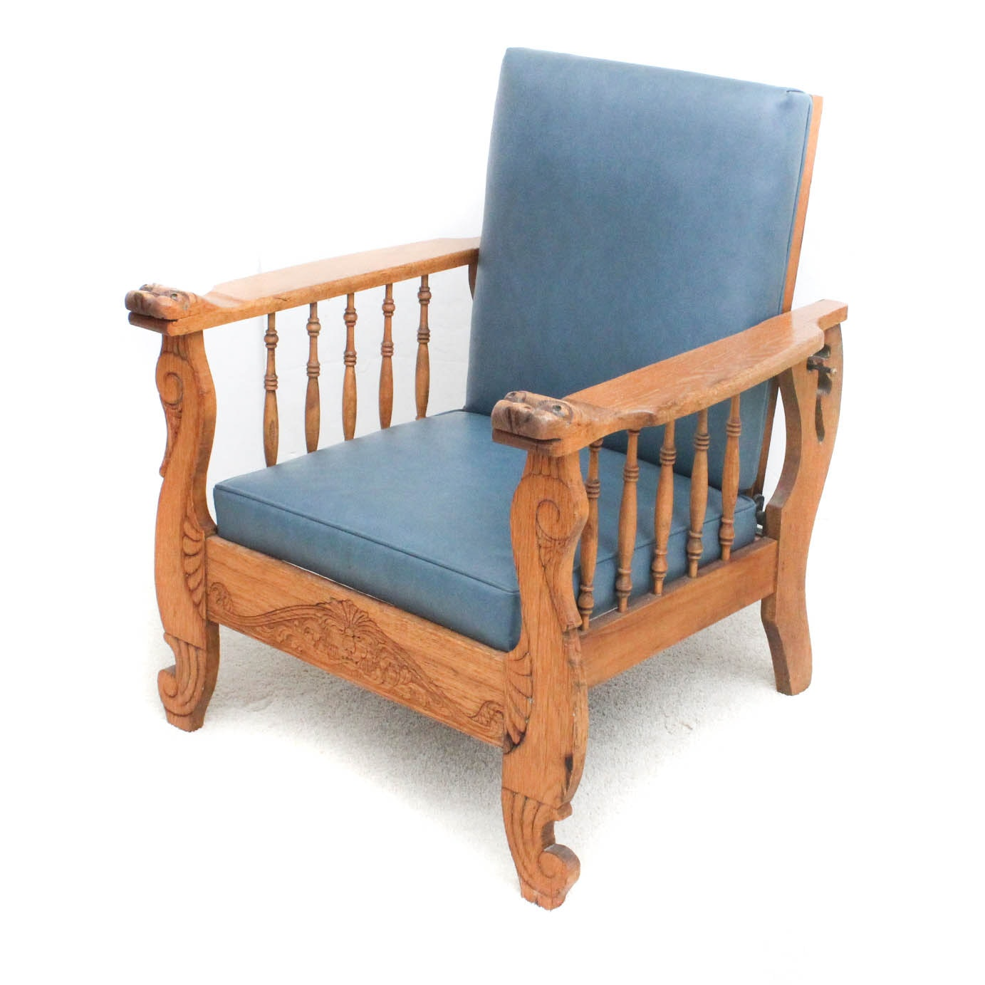 Antique Oak Morris Style Recliner