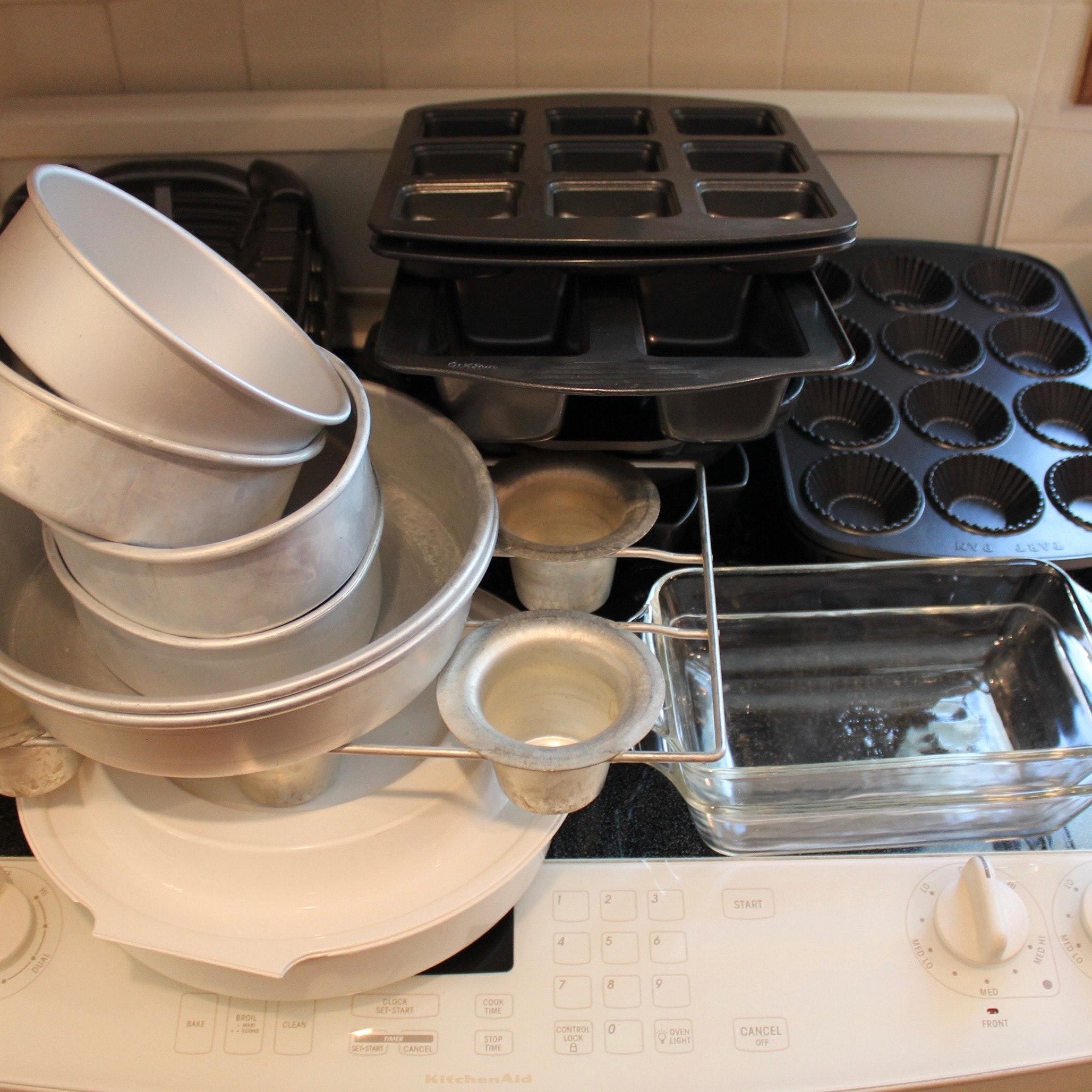 Bakeware Featuring Wilton Bundt Pans