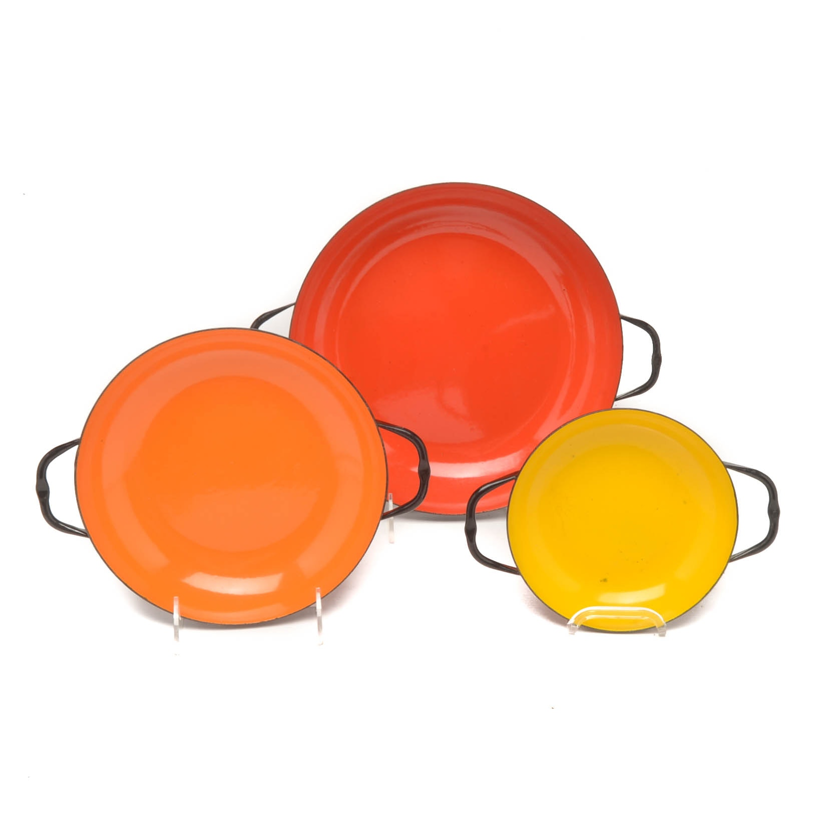 "Caravelle ""Sizzling Servers"" Style Metal Nesting Pans"